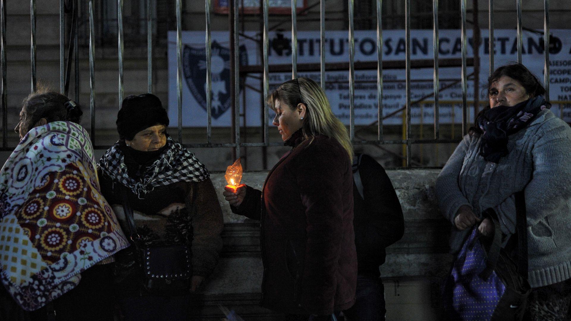 La columna principal de manifestantes se dirigirá por la avenida Rivadavia y hará pausas en Plaza Miserere, el Congreso y el Obelisco, en donde habrá otras concentraciones