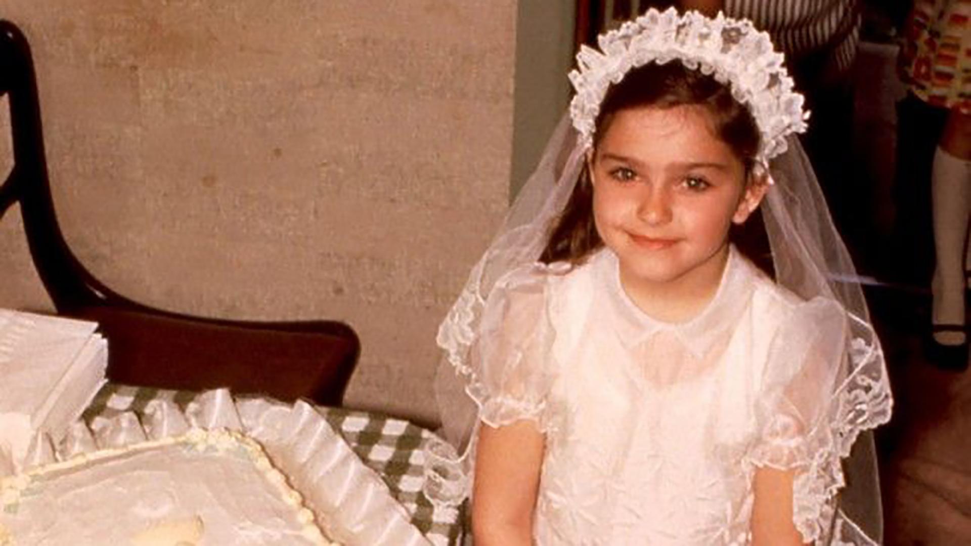 Madonna Louise Veronica Ciccone, nació el 16 de agosto de 1958 en Bay City, Michigan. En esta foto, tenía cuatro años