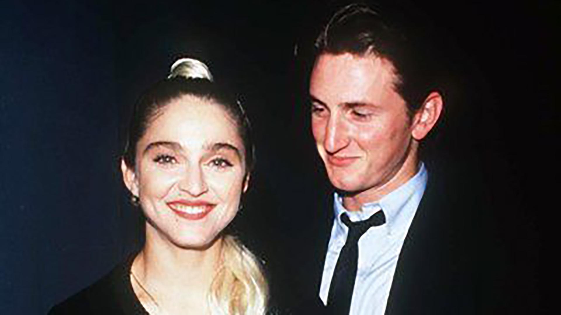 Madonna se casó con el actor Sean Penn el día de su cumpleaños 27 en una hermética ceremonia en Malibú