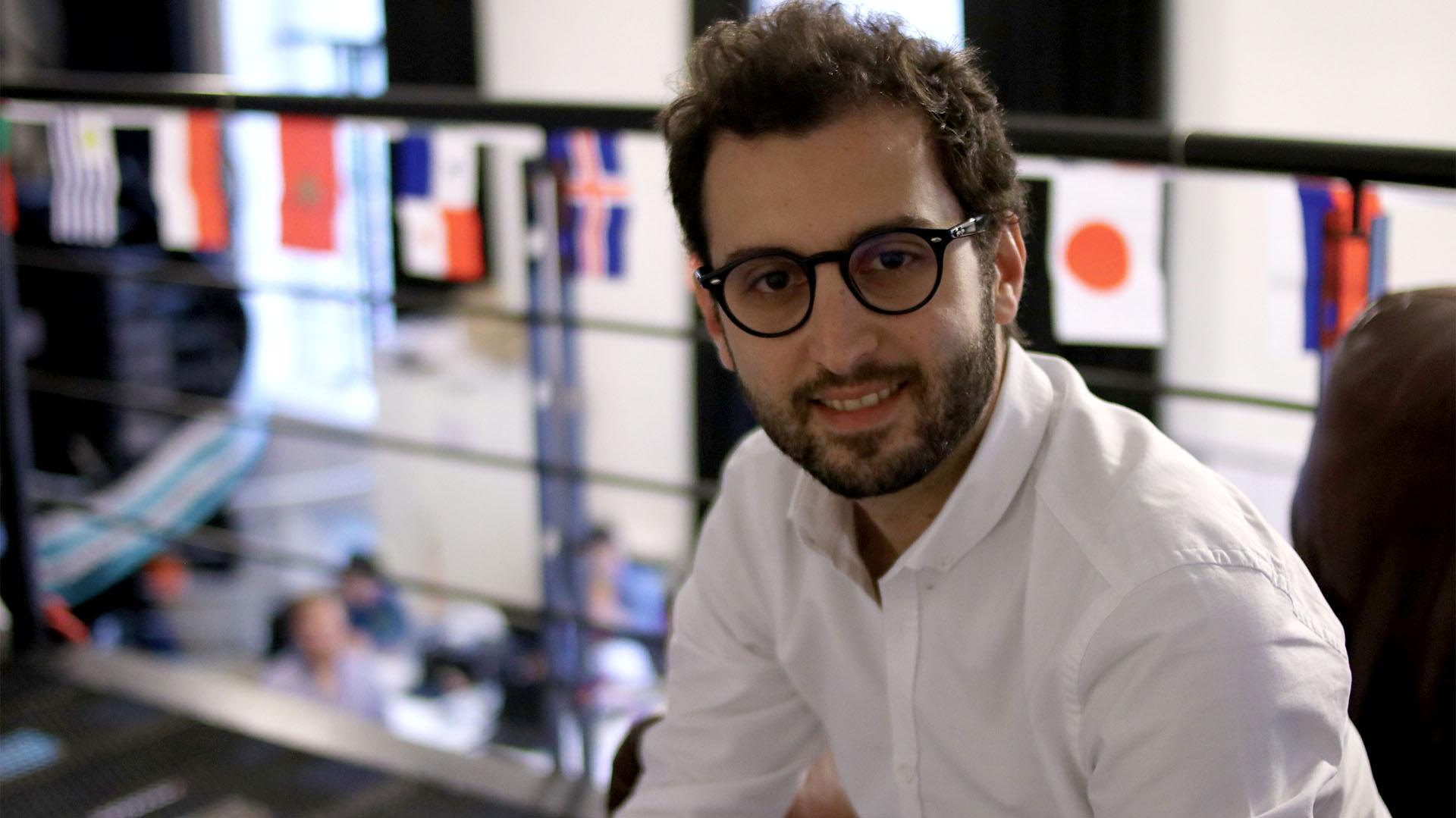 El CEO local es psicólogo, pero se dedicó a los negocios en Internet (Lihue Althabe)
