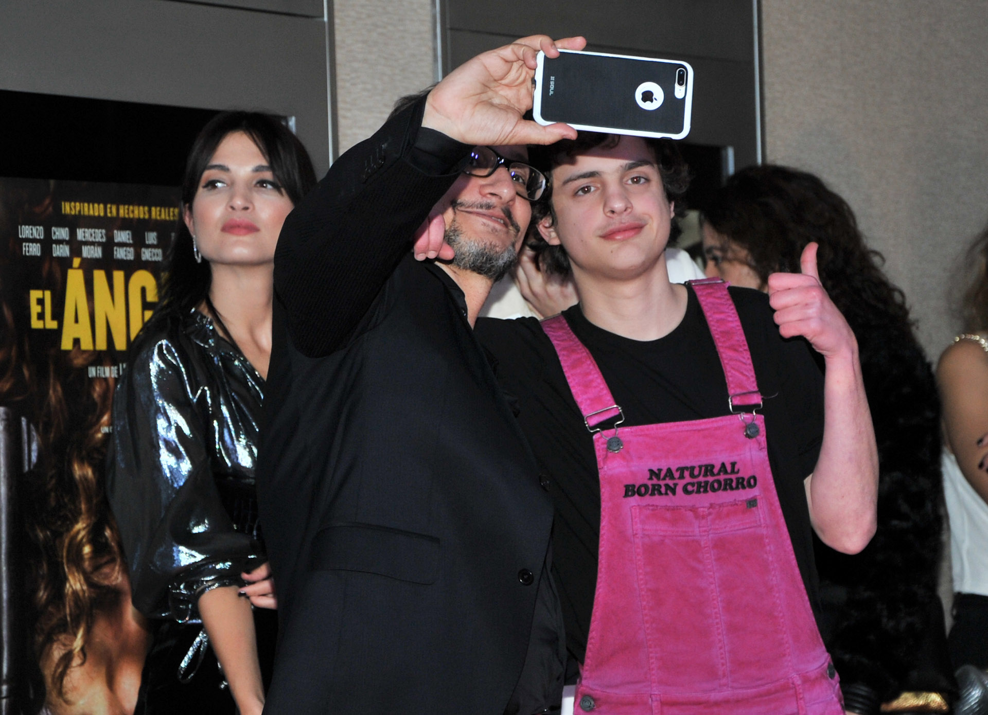 Pablo Culell se saca una selfie con Lorenzo Ferro