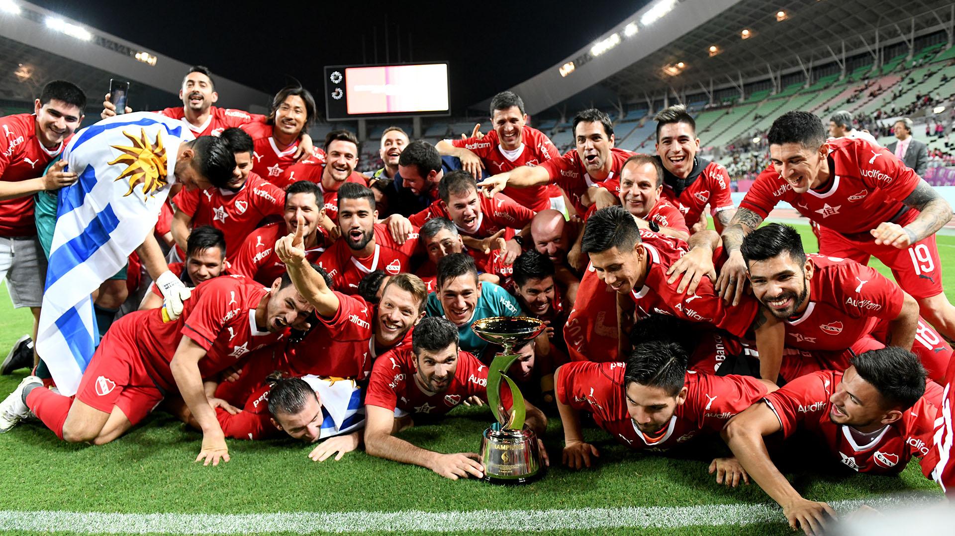 La característica celebración en el Estadio Nagai, de Osaka(AFP)