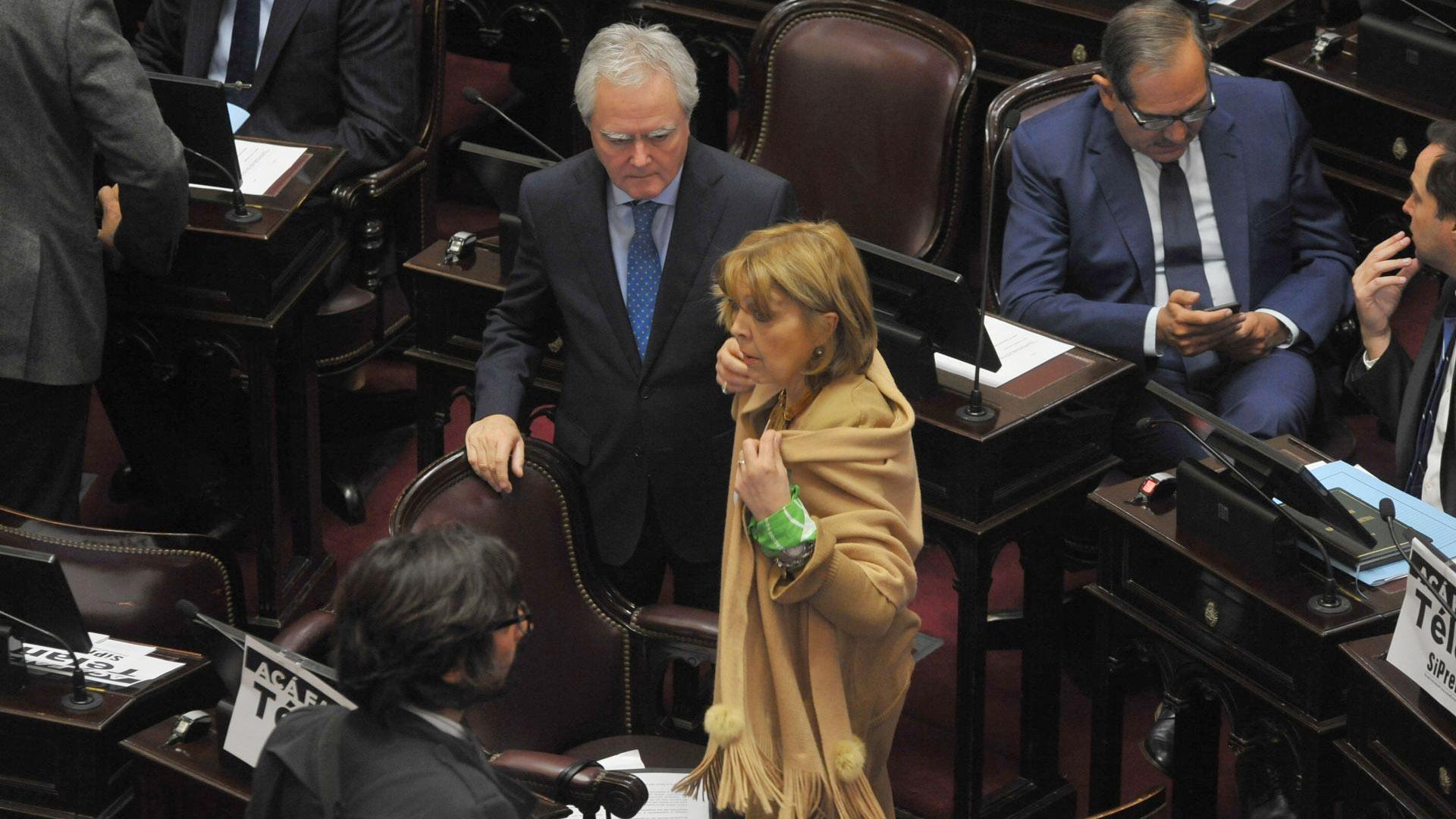 El senador Federico Pinedo y la senadora Norma Durango