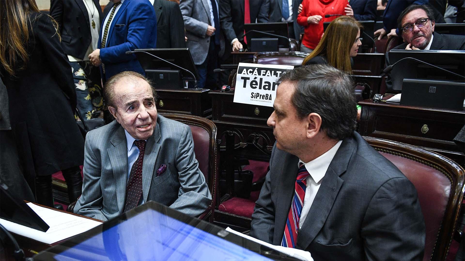 El senador de La Rioja Carlos Menem y el senador de Jujuy Guillermo Snopek