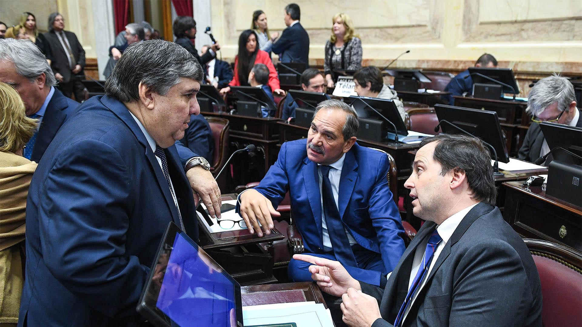 Los legisladores José Mayans, José Alperovich y Dalmacio Mera