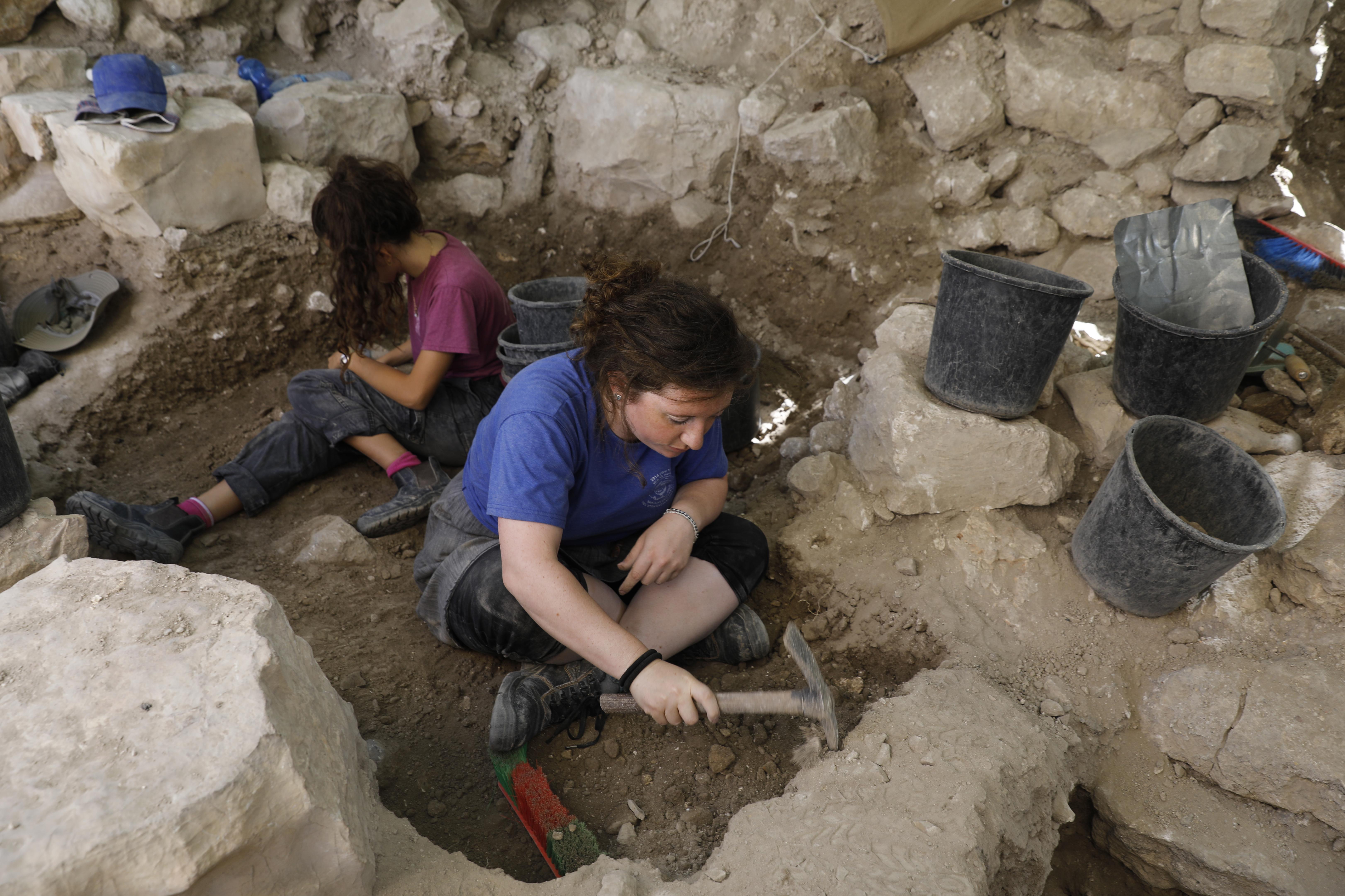 La Ciudad de David se encuentra a los pies de la muralla de la Ciudad Vieja en Silwan, un barrio palestino de Jerusalén Este. Es un sitio donde se realizan excavaciones israelíes intensivas