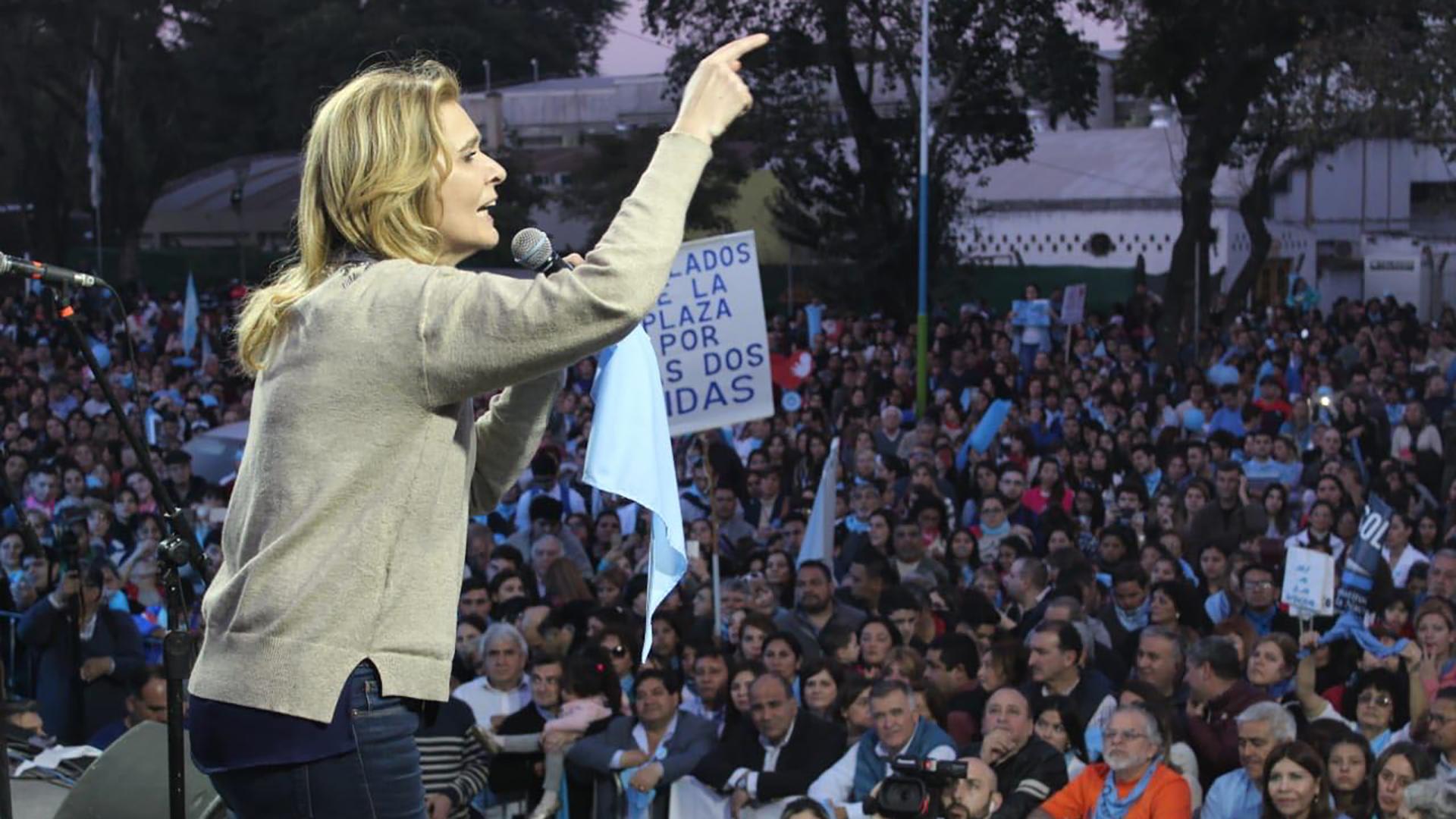 Silvia Elías de Pérez (UCR) en un acto 'provida' en Tucumán