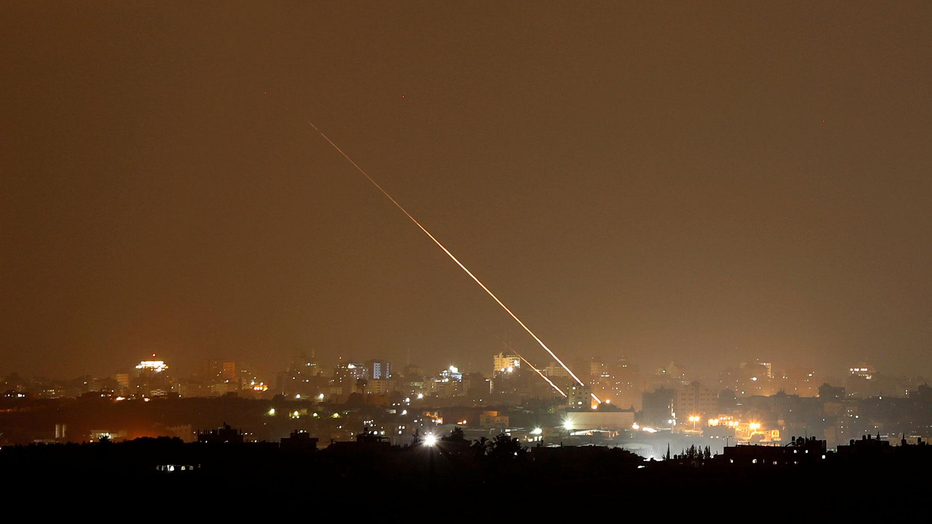 Dos cohetes fueron lanzados desde la Franja de Gaza hacia Israel (Reuters)