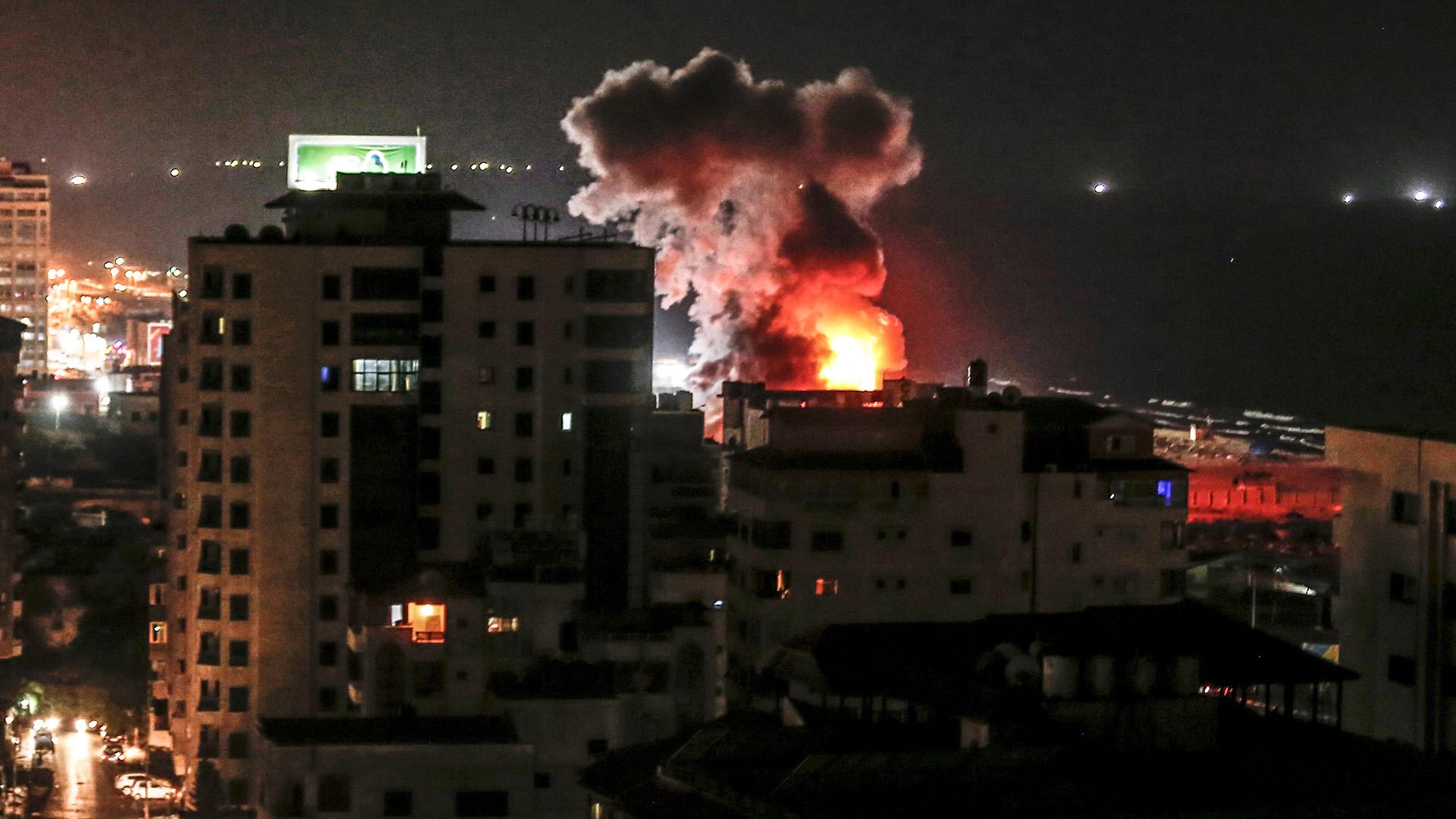 Israel respondió con un ataque aéreo sobre Gaza los misiles lanzados por Hamas (AFP)