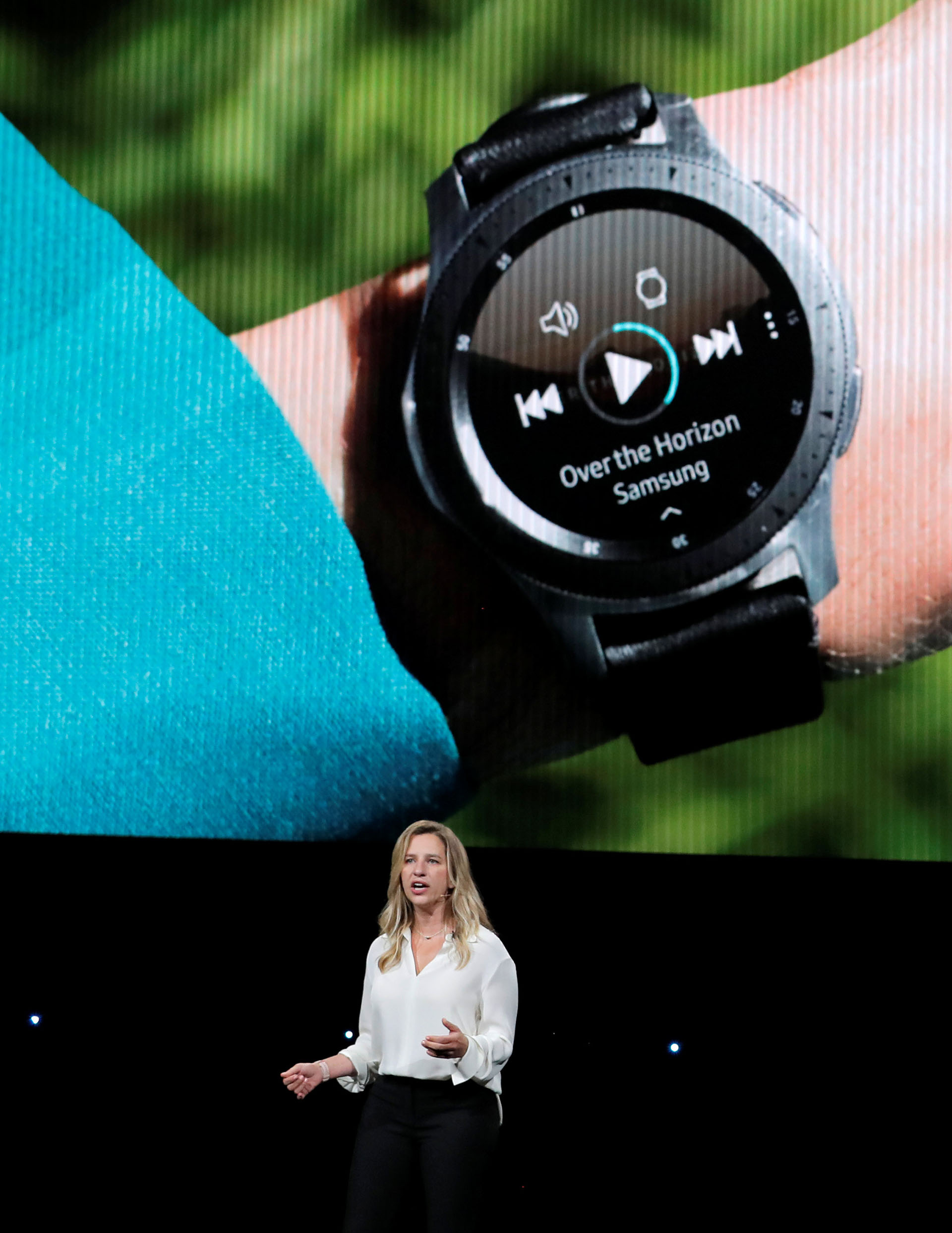 Elina Vives, directora de Marketing de Samsung, presenta el nuevo smartwatch (REUTERS/Lucas Jackson).