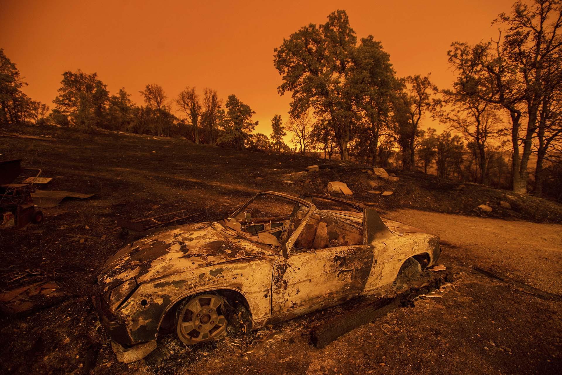 """En estos momentos hay cerca de veinte incendios de importancia ardiendo en California, entre los que preocupan, especialmente, el fuego """"Carr"""", que ha arrasado 70.200 hectáreas; y el de """"Ferguson"""", que ha destruido 37.000 hectáreas"""