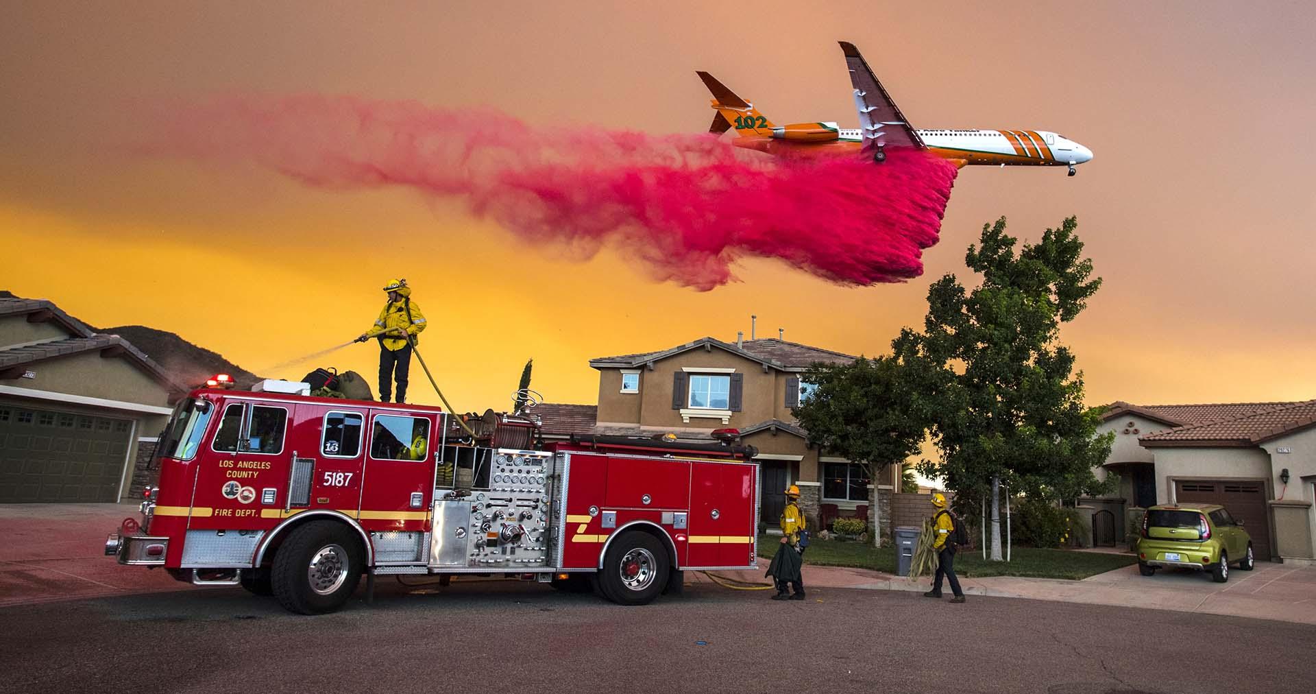 No obstante, en las últimas 24 horas el incendio siguió expandiéndose en algunos frentes y arrasó cerca de 4.000 hectáreas más de terreno
