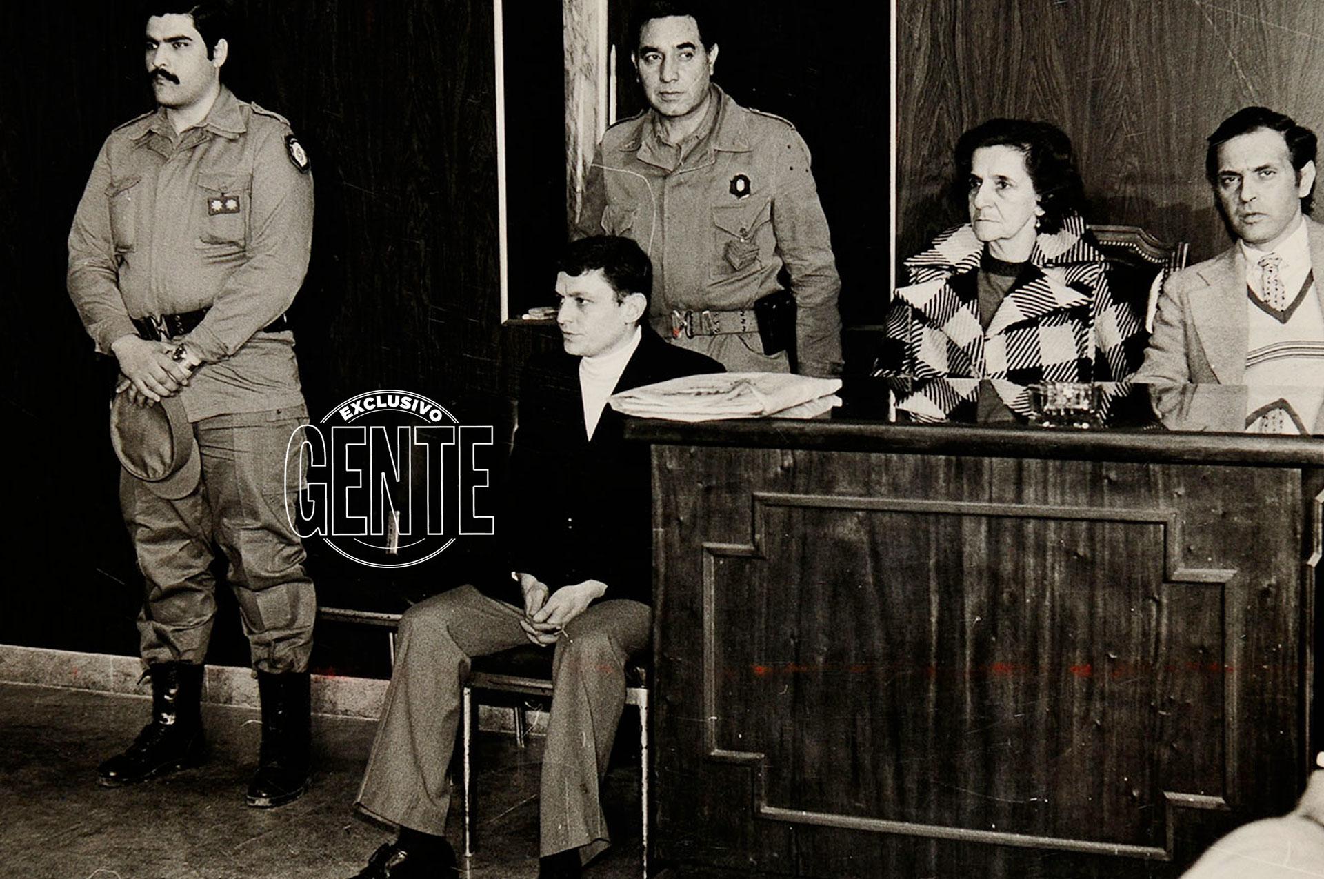 """El juicio recién se llevó a cabo en 1980: enfrentó 36 cargos y fue condenado a cadena perpetua. """"Esto es una farsa"""", desafió, siempre altanero."""
