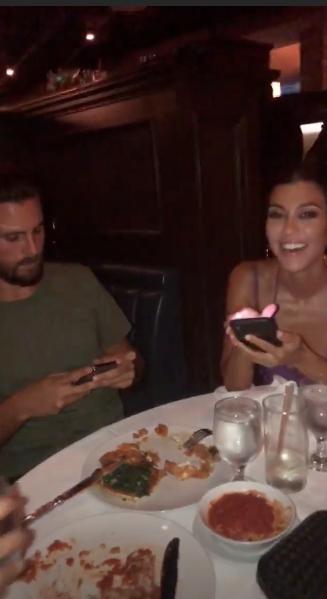 Kourtney Kardashian y su ex, Scott Disick (Instagram Kim Kardashian)