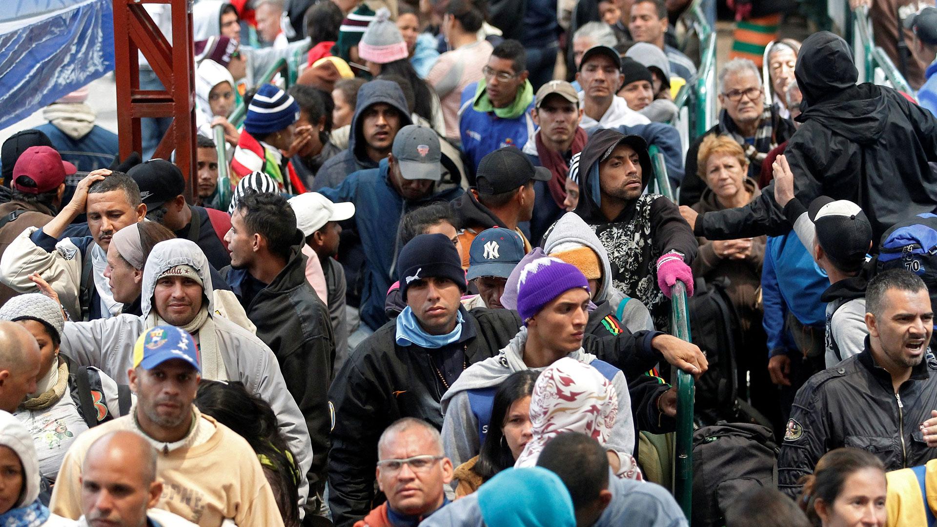 Miles de venezolanos buscan un futuro mejor en otros países (Reuters)