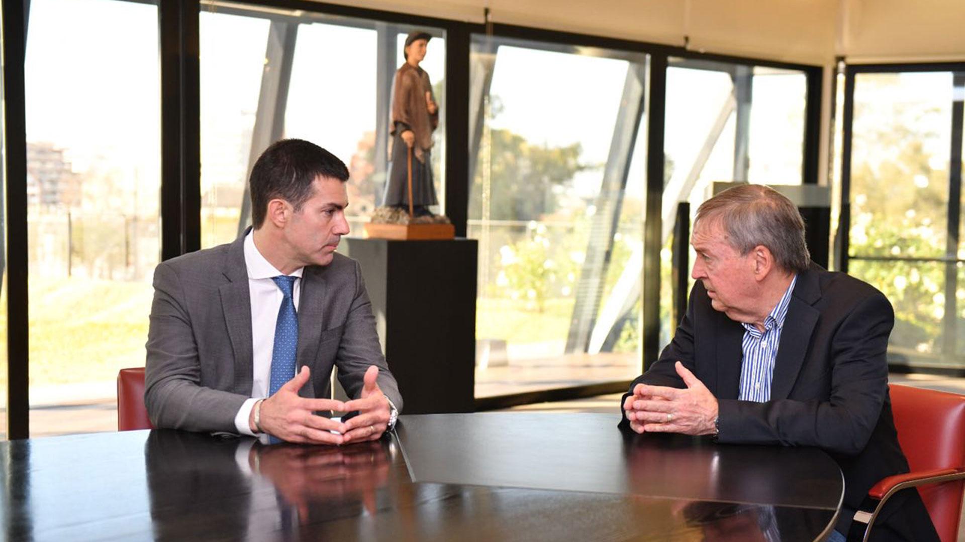 Urtubey junto a Juan Schiaretti. El salteño quiere obtener el respaldo de los gobernadores del PJ