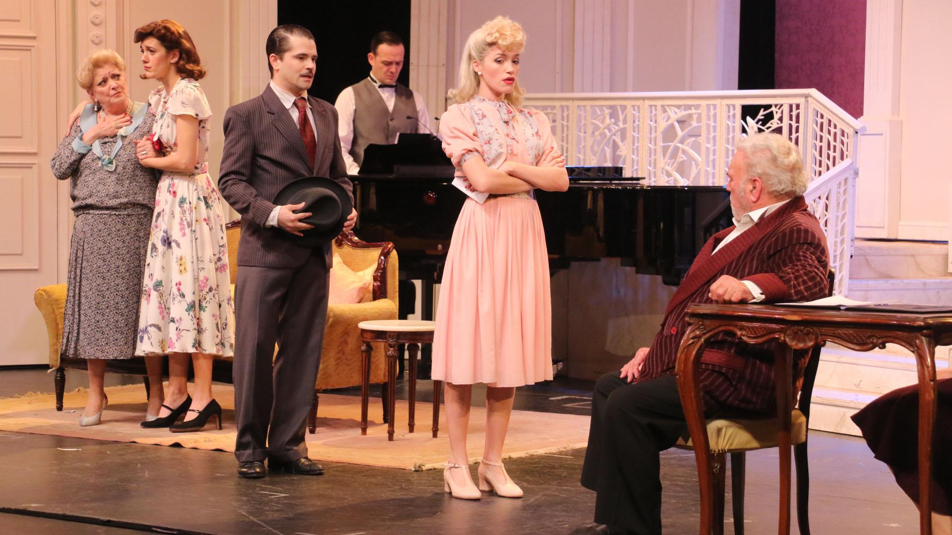 Felipe Colombo y Rodolfo Ranni comparten el escenario con la joven actriz