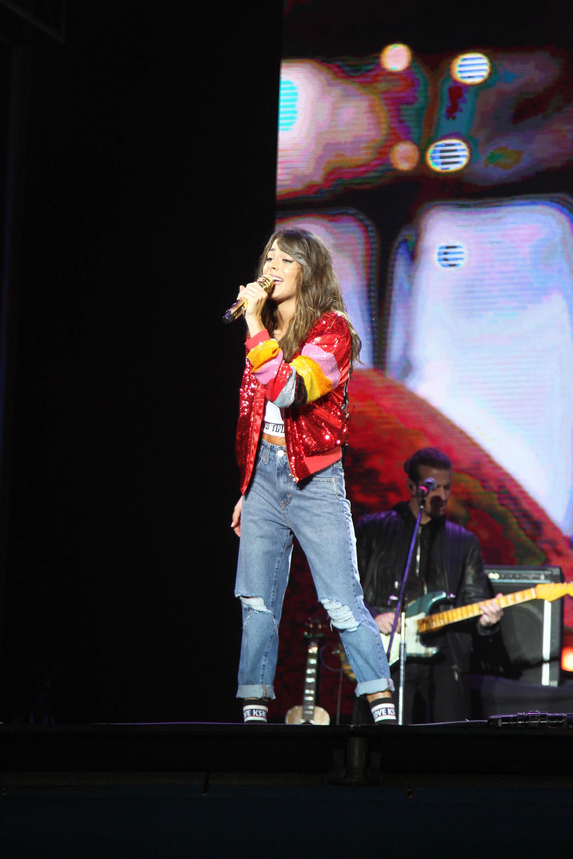 La reconocida cantante hizo vibrar a los jóvenes que se acercaron a Tecnópolis