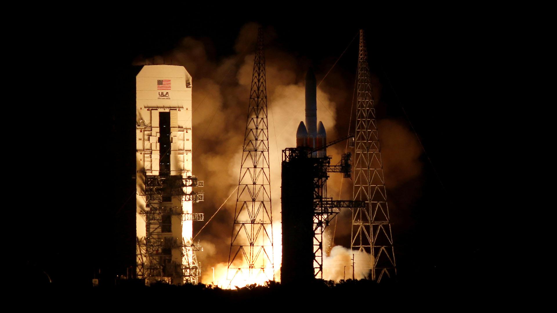 El cohete Delta IV Heavy de la compañía United Launch Alliance despegó a las 03.31 hora local (07.31 GMT) desde la base aérea de Cabo Cañaveral de la Agencia Aeroespacial de EEUU (NASA) con la sonda a bordo