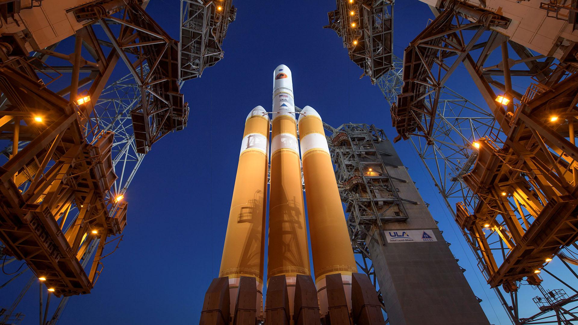 Está programada para volar hacia la corona del sol a 3,8 millones de millas (6,1 millones de km) de la superficie solar, siete veces más cerca que cualquier otra nave espacial
