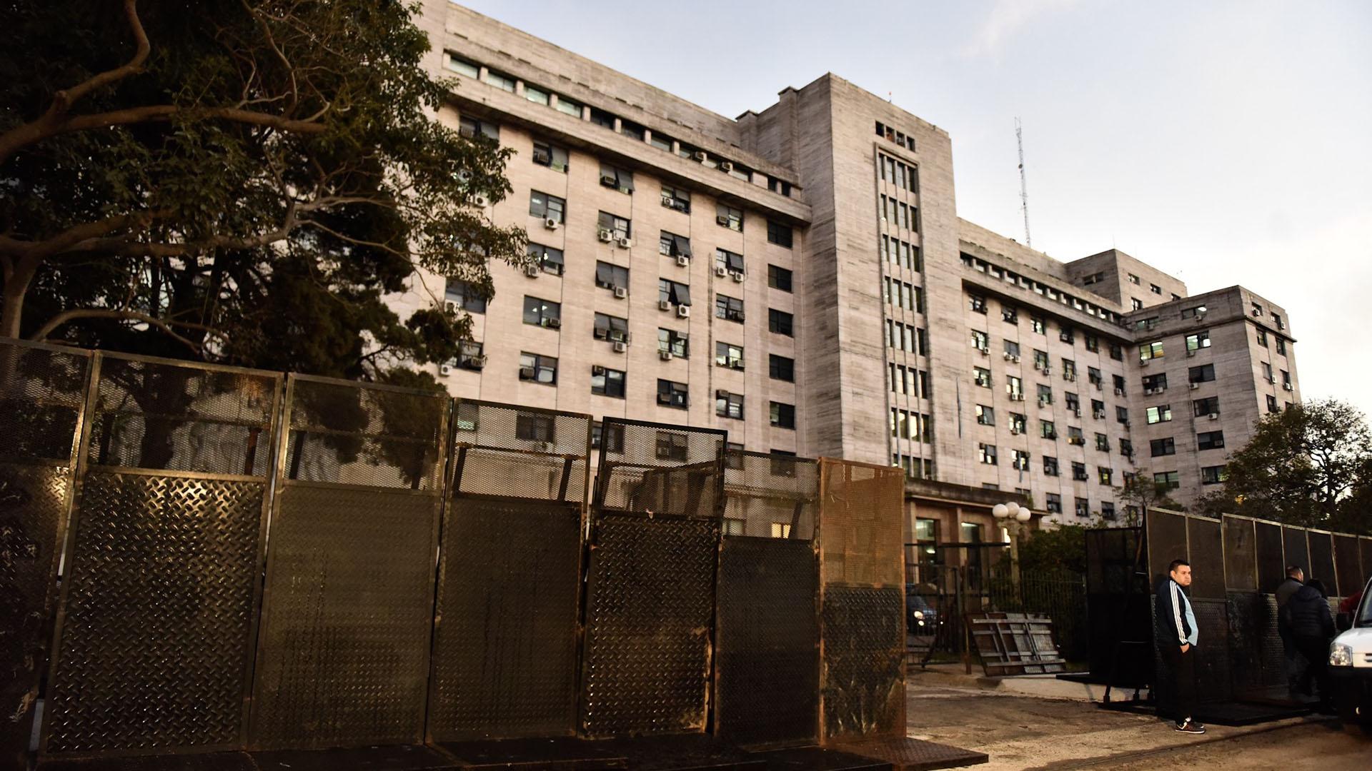 Tribunales de Comodoro Py (Adrián Escandar)
