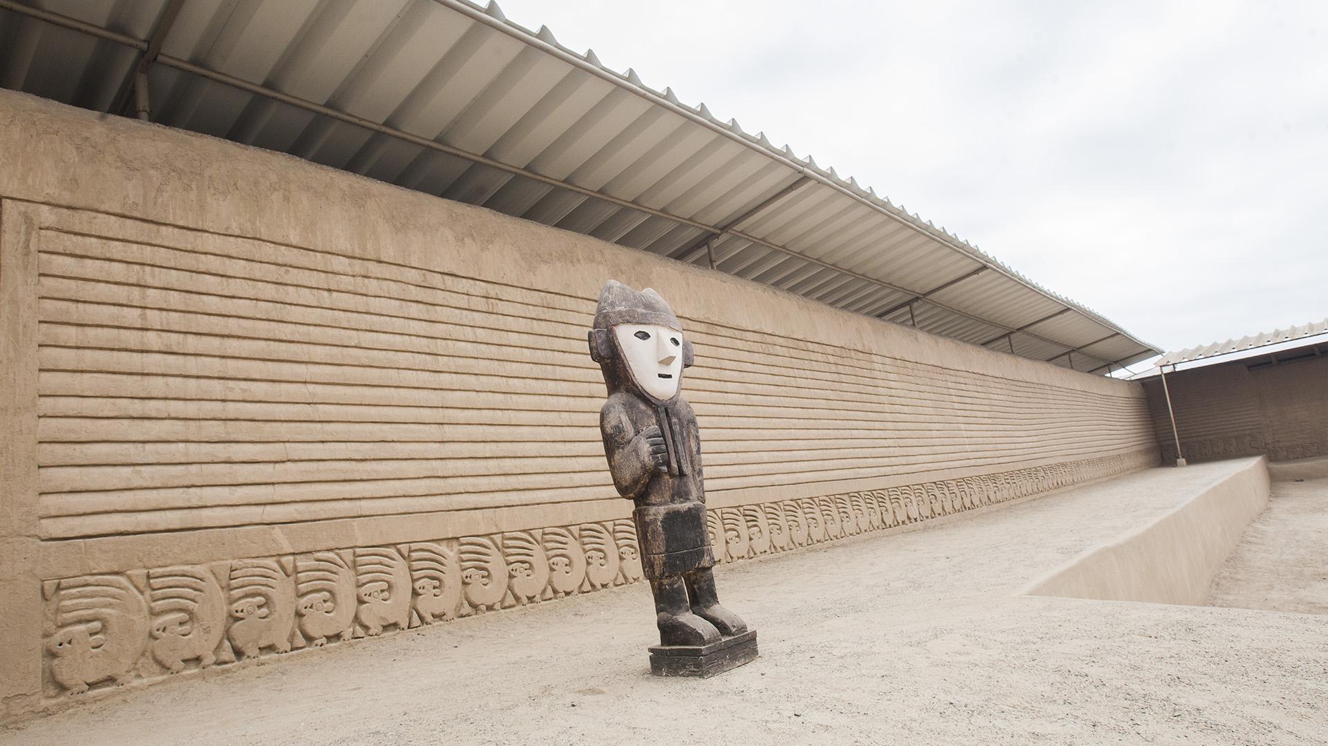 Muros de la ciudadela de Chan Chan