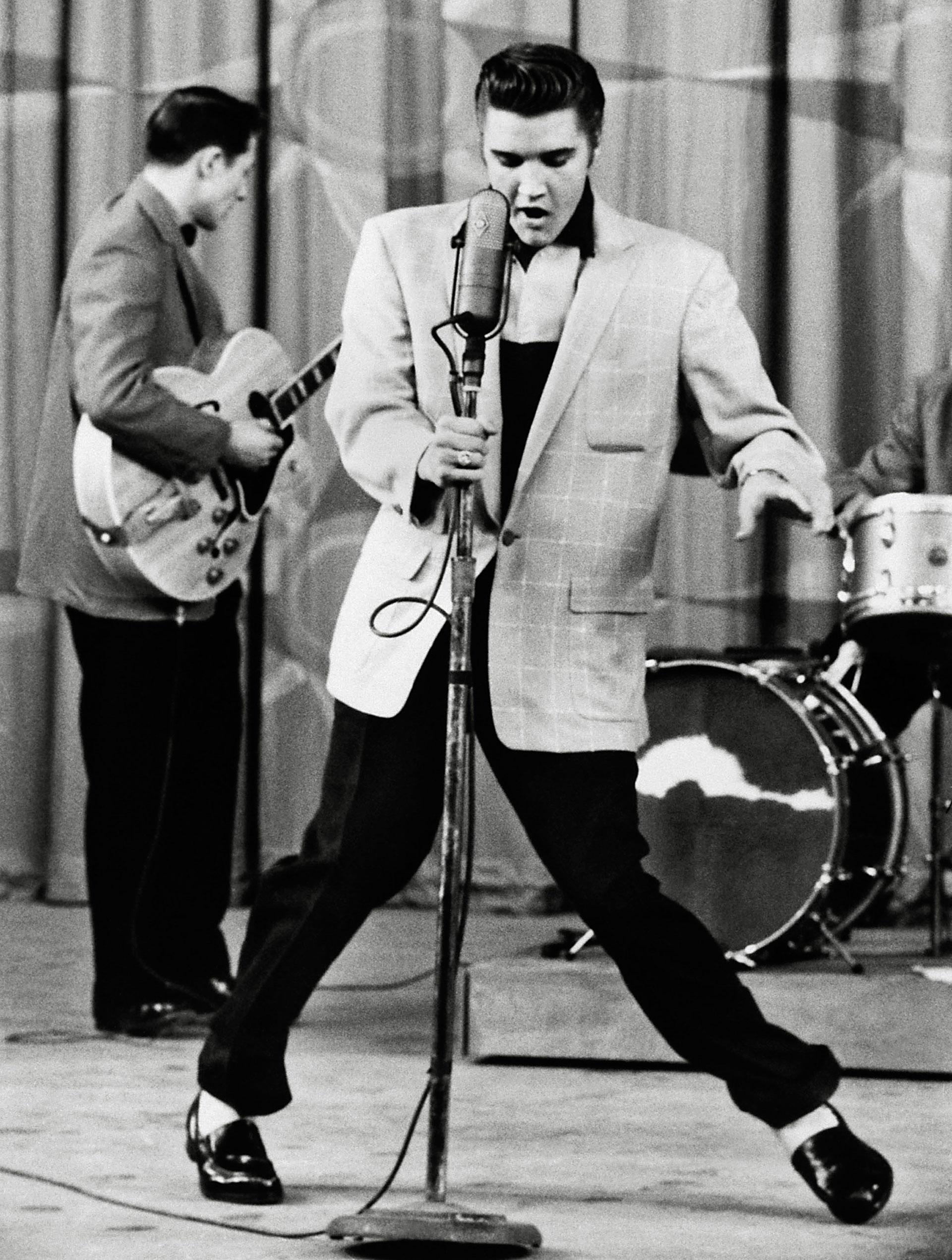 Sabías que David Bowie, Elvis Presley y Stephen Hawking nacieron un día  como hoy 8 de enero - Infobae