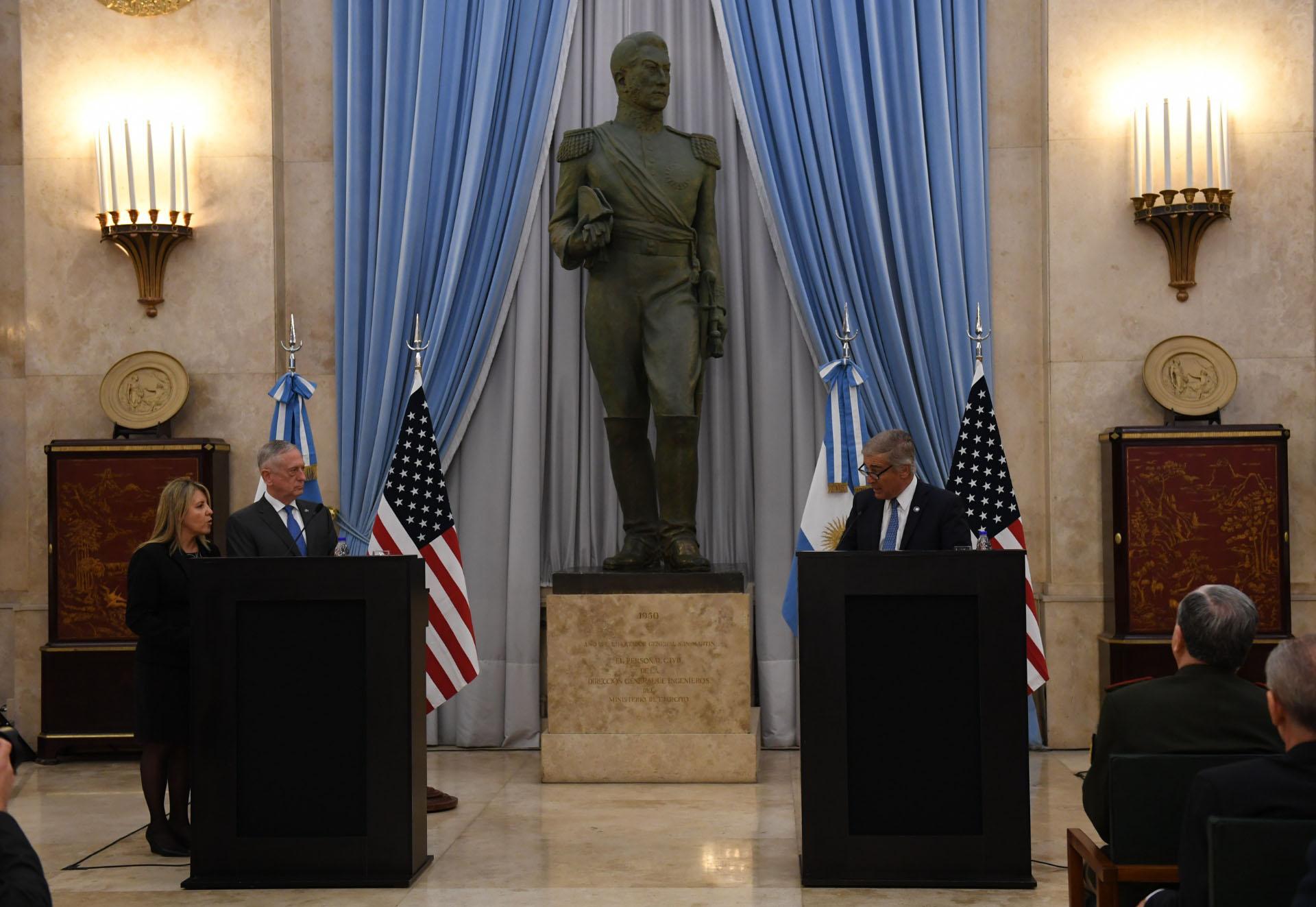 Oscar Aguad - James Mattis Ministro de Defensa EEUU