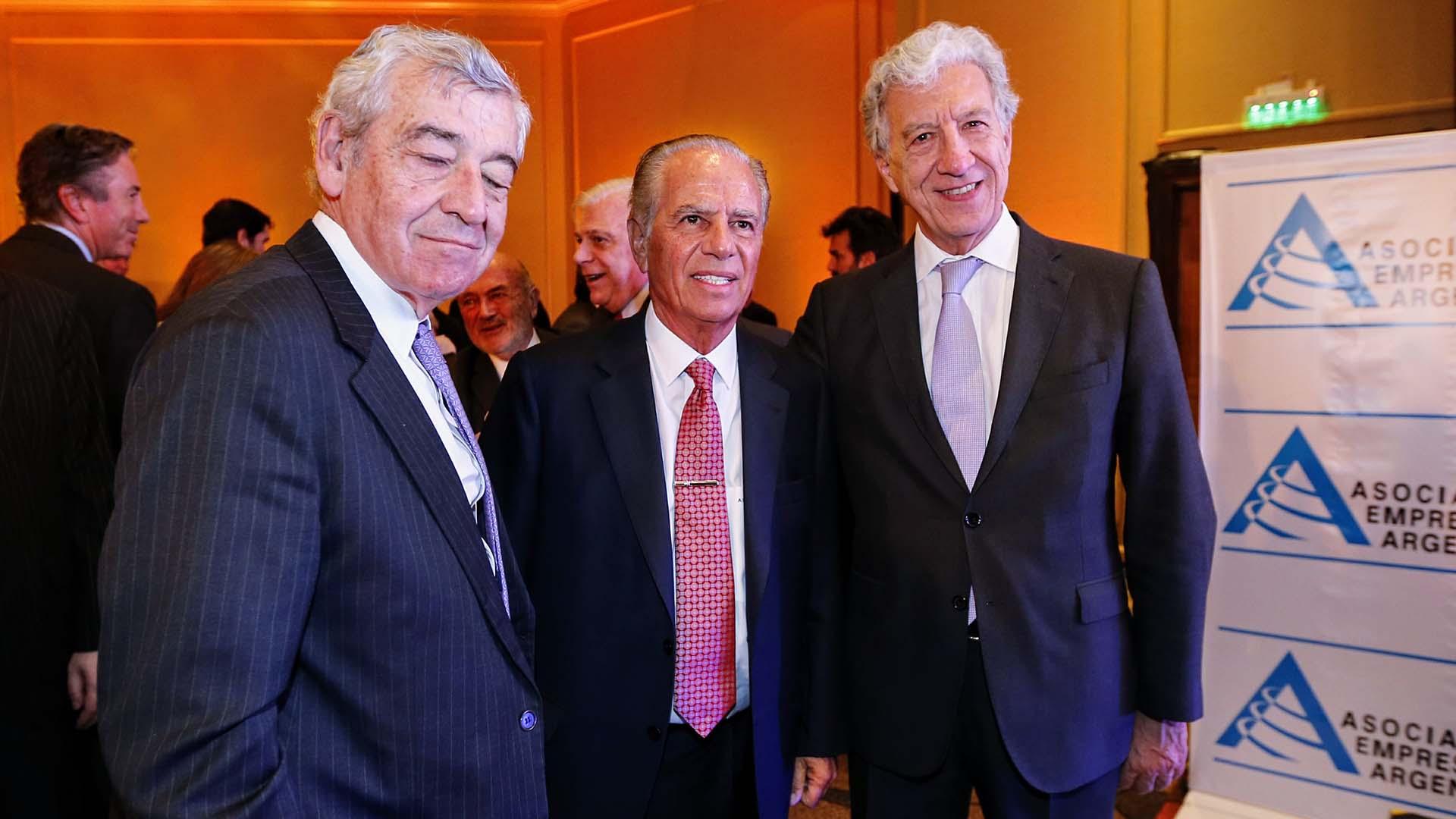 José Bordón, embajador argentino en Chile, Bulgheroni y Jaime Campos, presidente de AEA (Nicolás Aboaf)