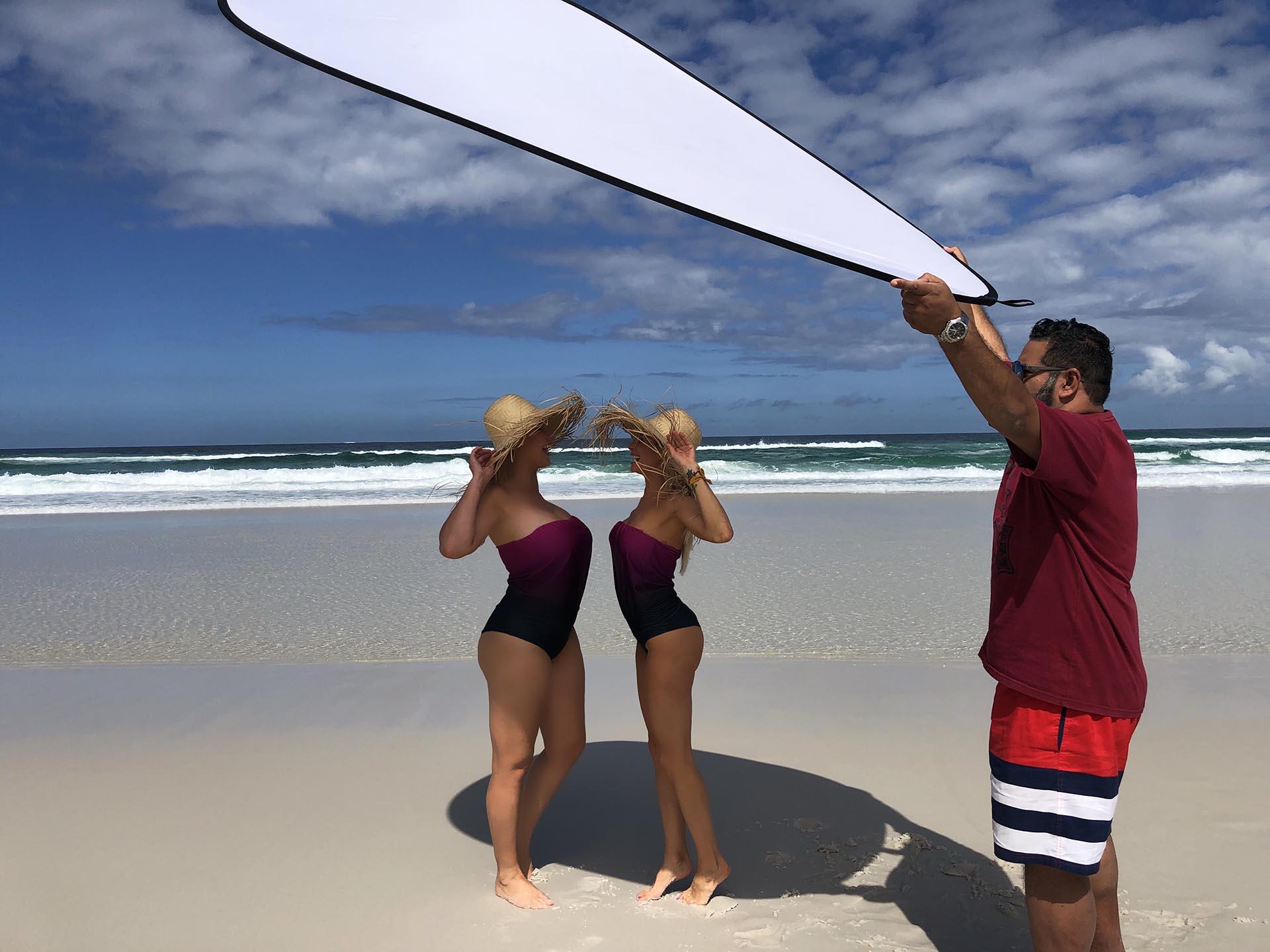 Una de las imágenes del back de la producción de Jimena y Paulina en la playa de Arraial do Cabo