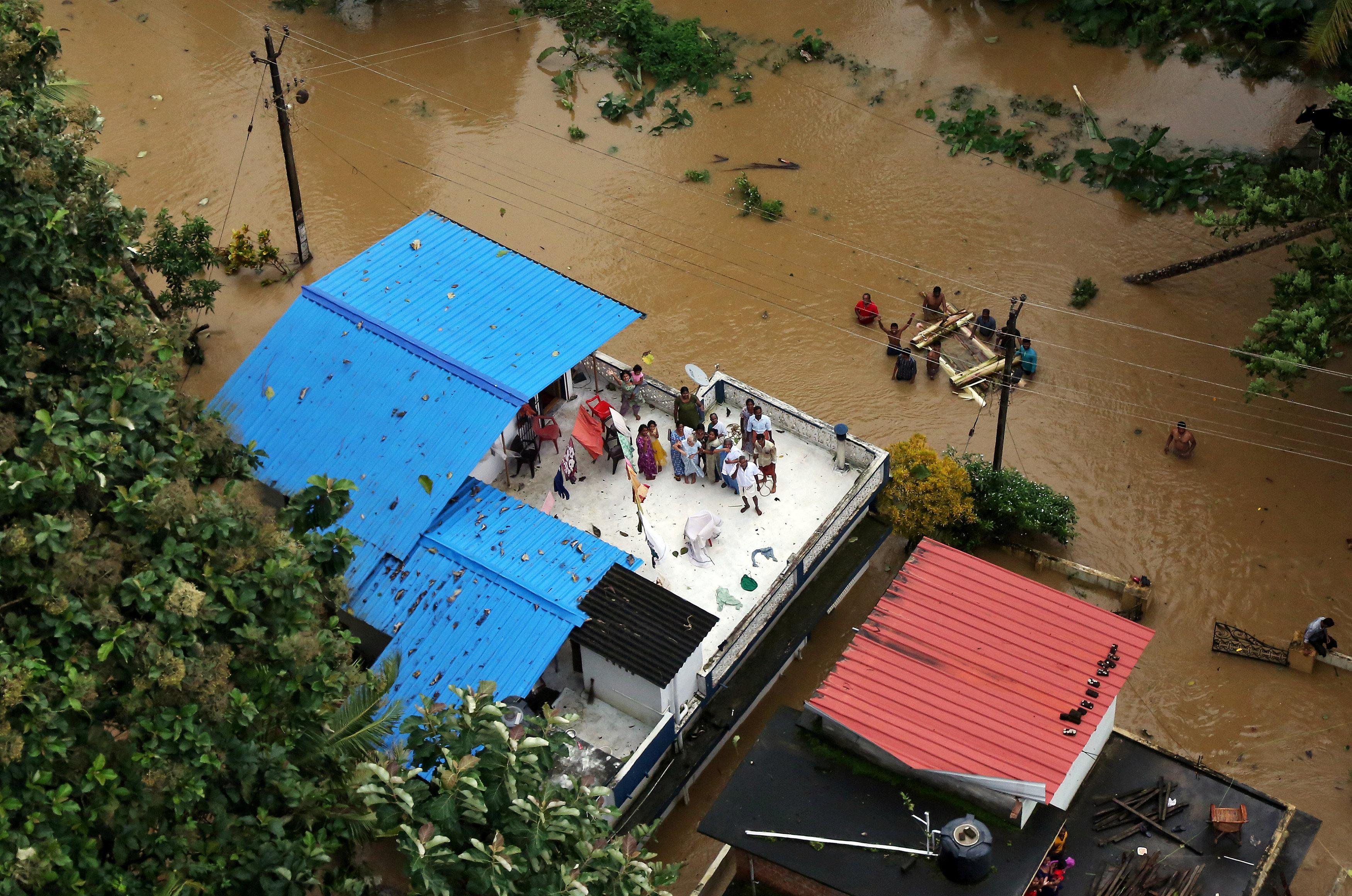 Los monsones en Kerala trajeron las peores lluvias en 80 años, con devastadores inundaciones que dejaron más de 500 muertos y más de 10 mil casas destruidas