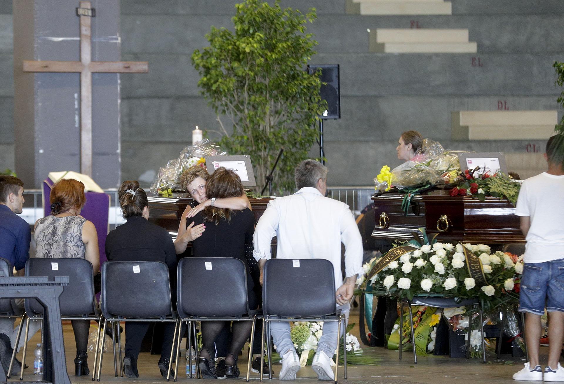 Italia de luto por la tragedia en Génova. (AP Photo/Gregorio Borgia)