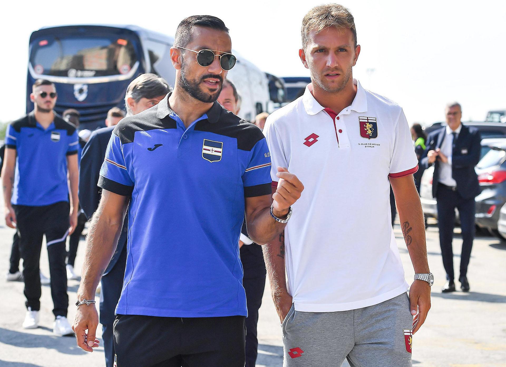 Jugadores de Sampdoria y el Genoa estuvieron en el funeral (Simone Arveda/ANSA via AP)