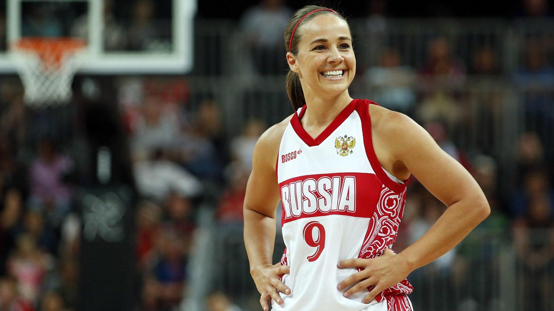 Quién es Becky Hammon, la mujer que rompe esquemas en los San Antonio Spurs  y que podría hacer historia en la NBA - Infobae