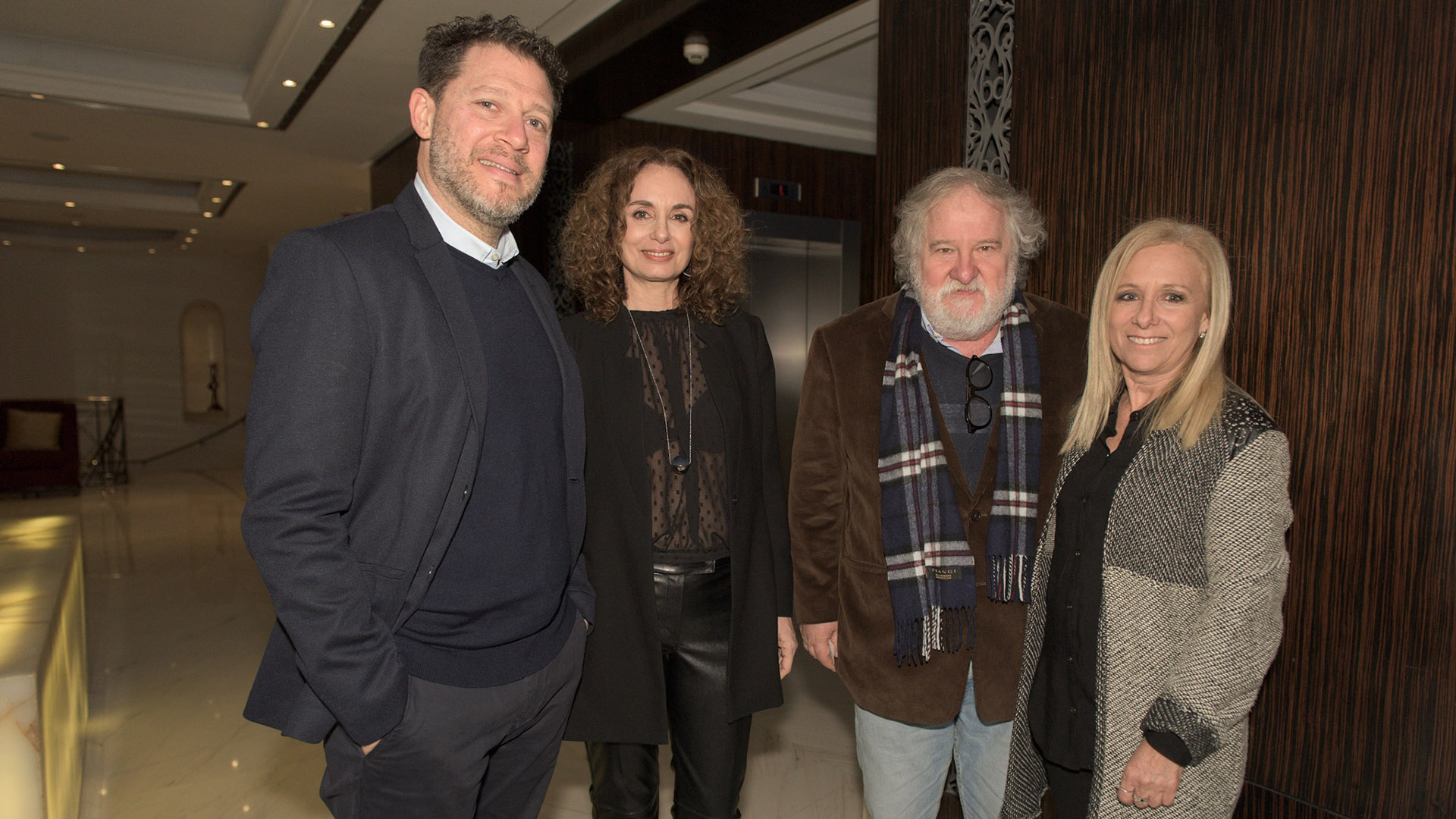 Damián Kirzner, Gabi López, Sergio Muchnik de Dash muebles y la arquitecta Adriana Grin.