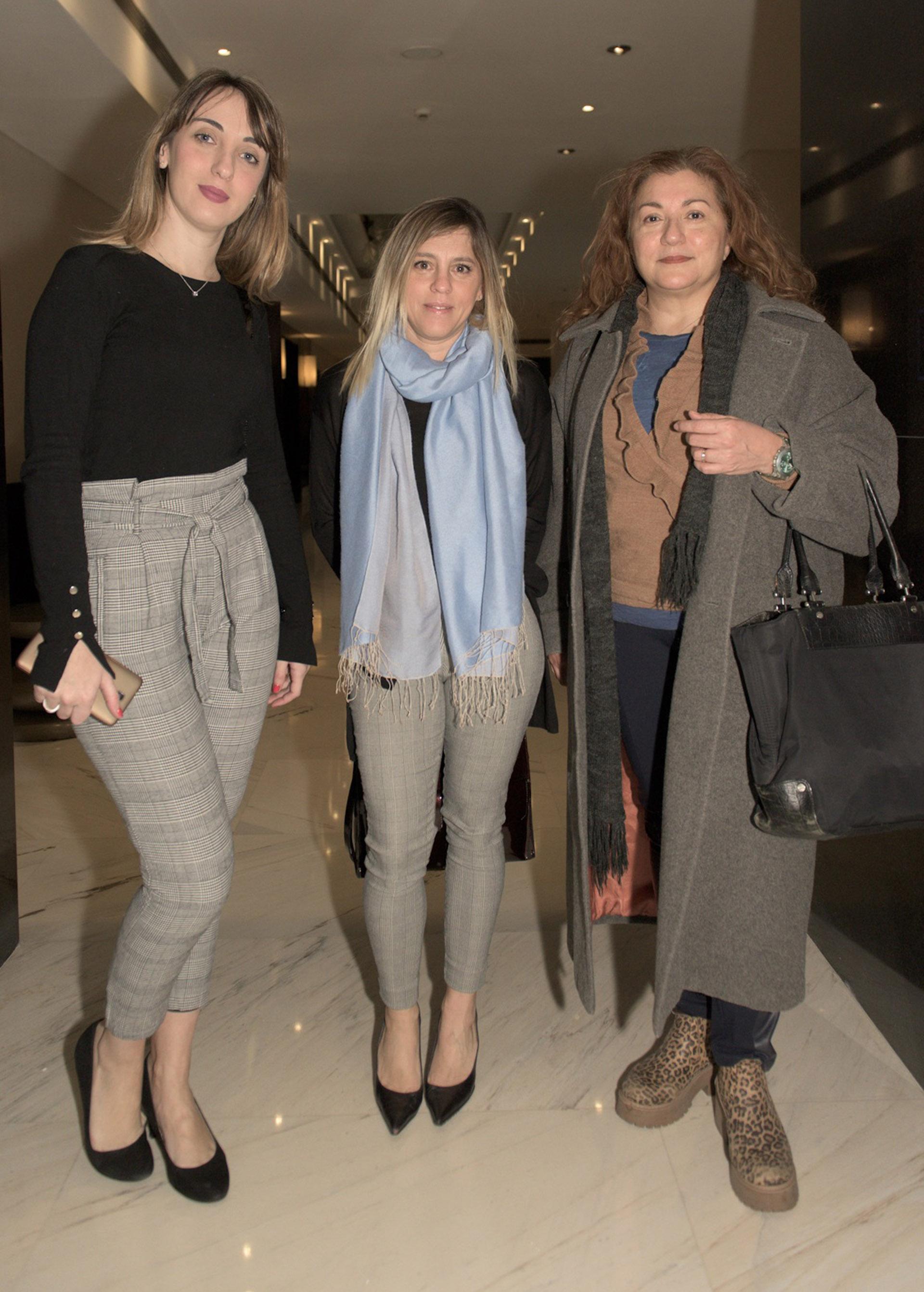 Marina Sanders y Paula Carbone del equipo de comercial de Infobae junto a Miriam Moghames directora de Henko