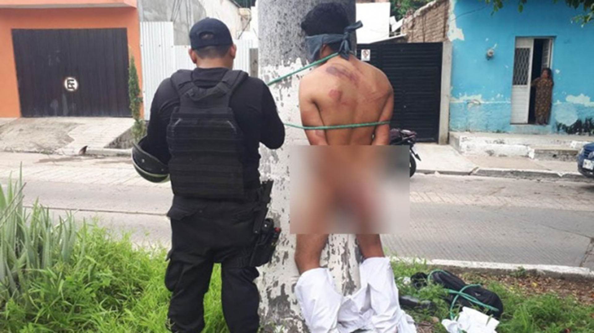 Al supuesto asaltante lo golpearon y amarraron a un árbol., en Chiapas (Foto: Archivo)