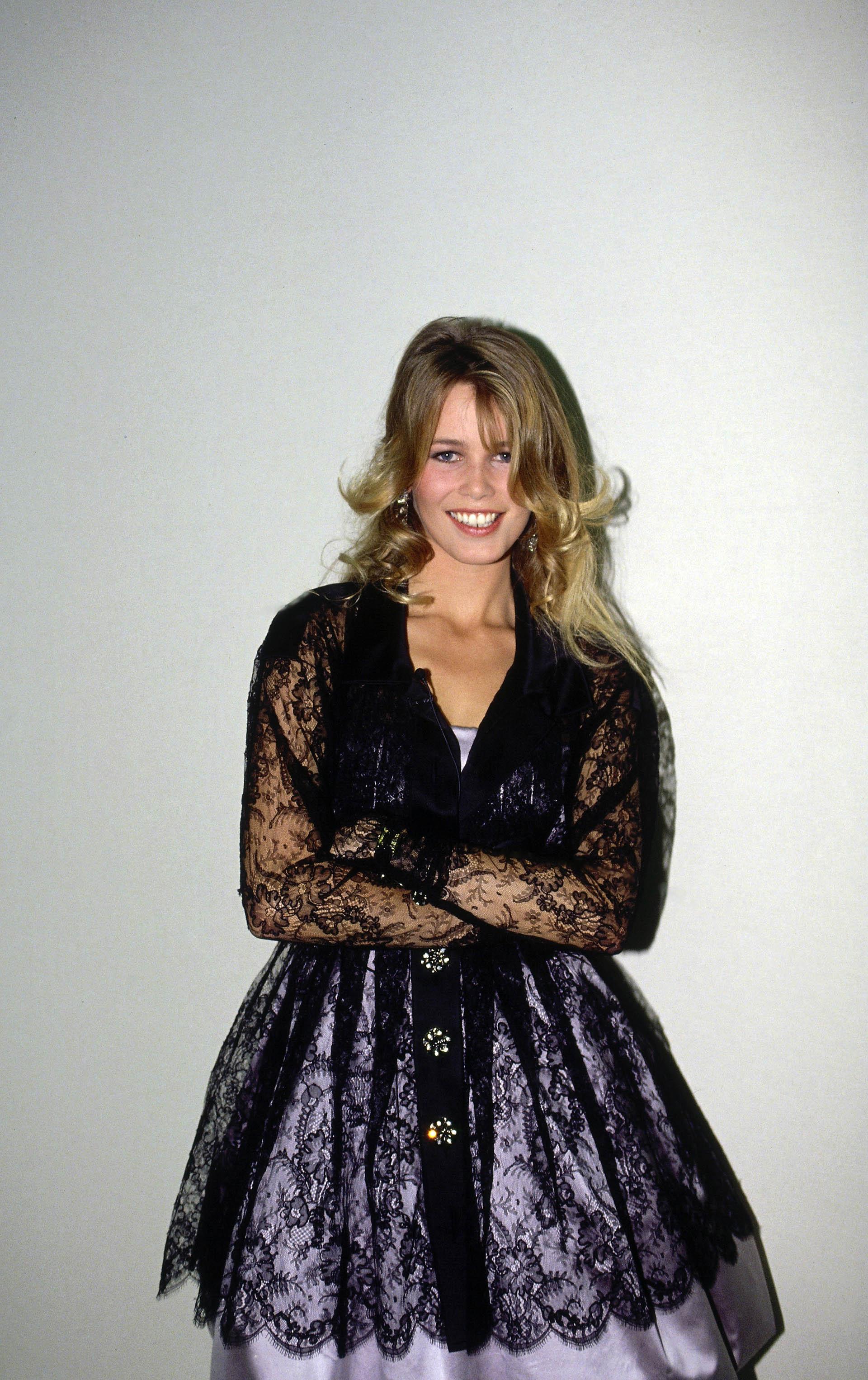 Cuando tenía 17 años fue descubierta en un pub en Düsseldorf por Michel Levaton, de la agencia de modelos Metropolitan (Grosby Group)