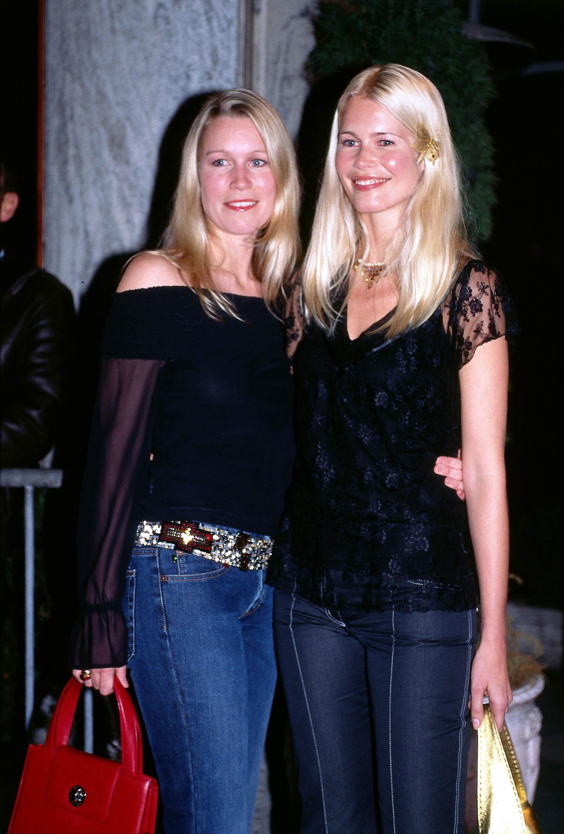 Schiffer junto a su hermana Carolin. Además, tiene dos hermanos más, Stefan y Andreas (Grosby Group)