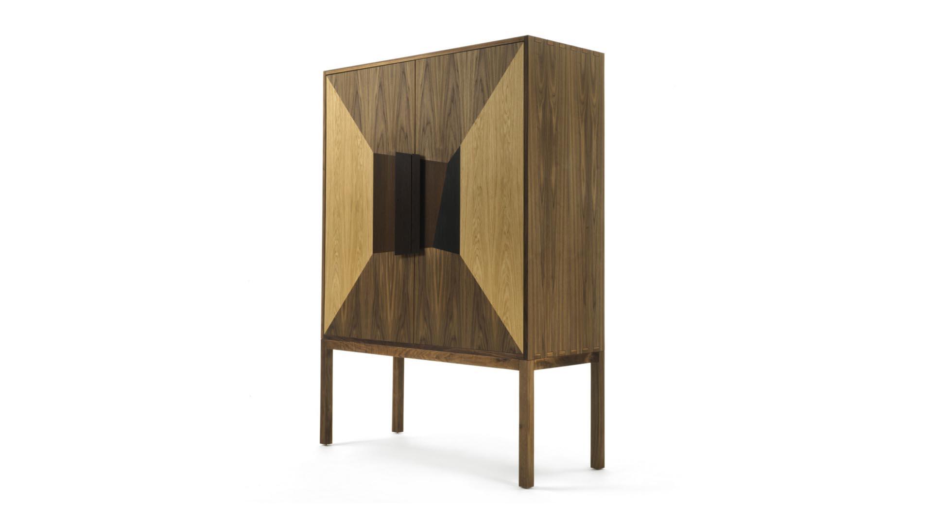 Version DeKauri en madera de nogal
