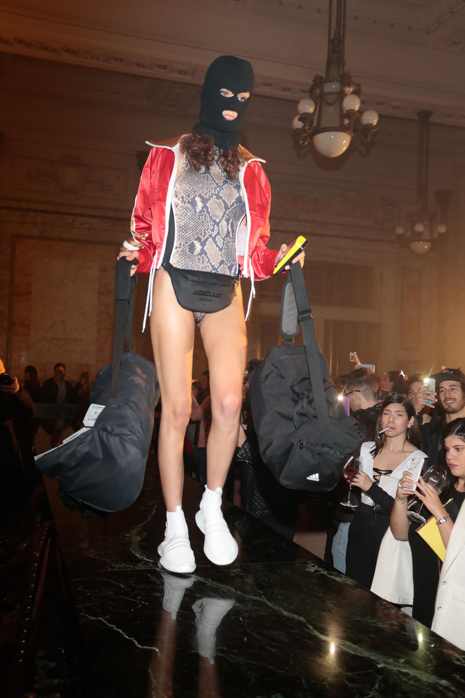 Blackmamba fusionó su colección con la de Adidas Originals porque se complementan y hace sinergia