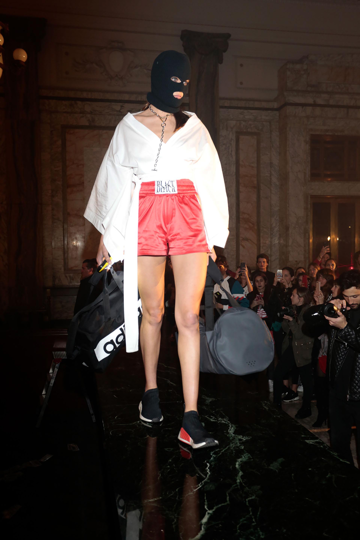 Cada modelo representó un personaje inspirado en películas de artes marciales, boxeo, speed racing y otros deportes