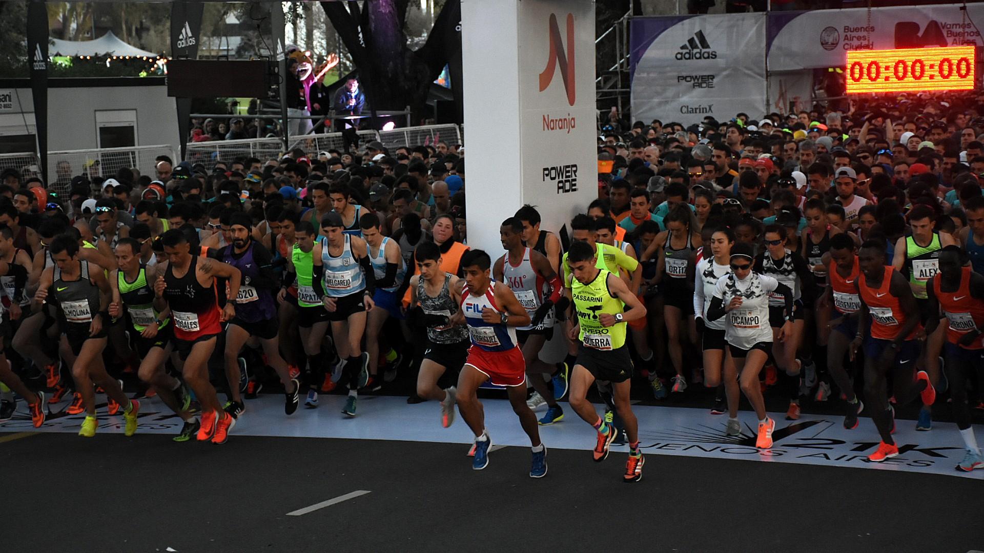 La carrera comenzó 7.30 en punto en Figueroa Alcorta y Monroe, que también sería la meta de llegada