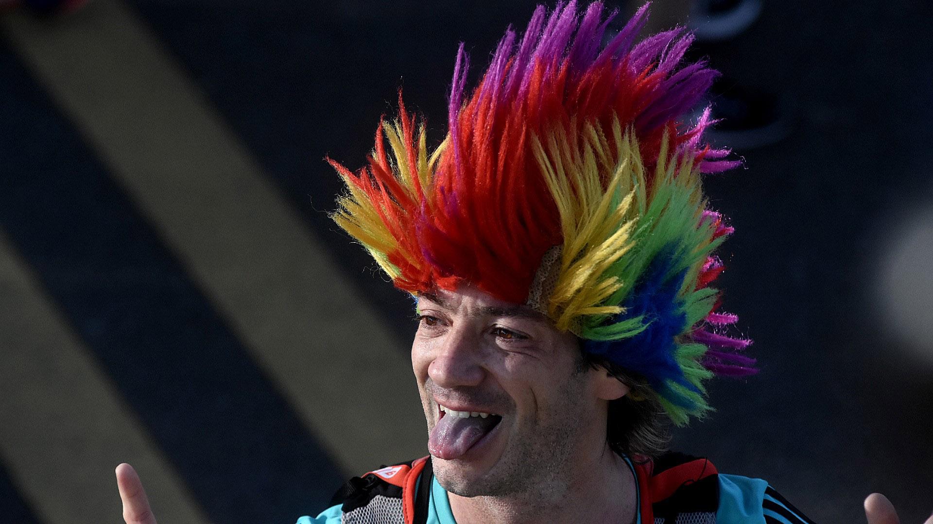 Algunos fueron disfrazados, con pelucas de colores