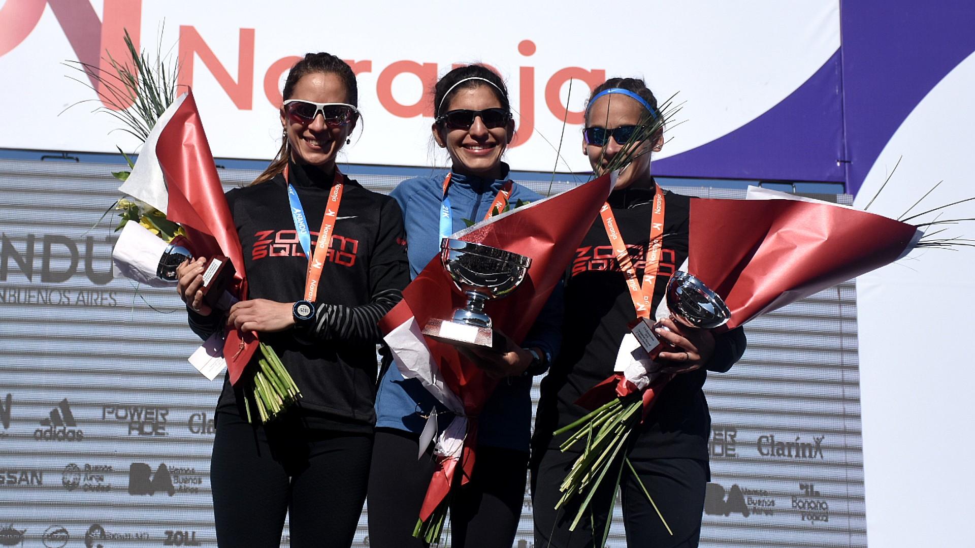 El podio de las argentinas: Daiana Ocampo se convirtió en la campeona argentina de medio maratón con 1:14:04, y en segundo lugar llegó María Luz Tesuri con 1:14:47. El tercer puesto lo ocupó Mariela Ortiz con 1:17:03