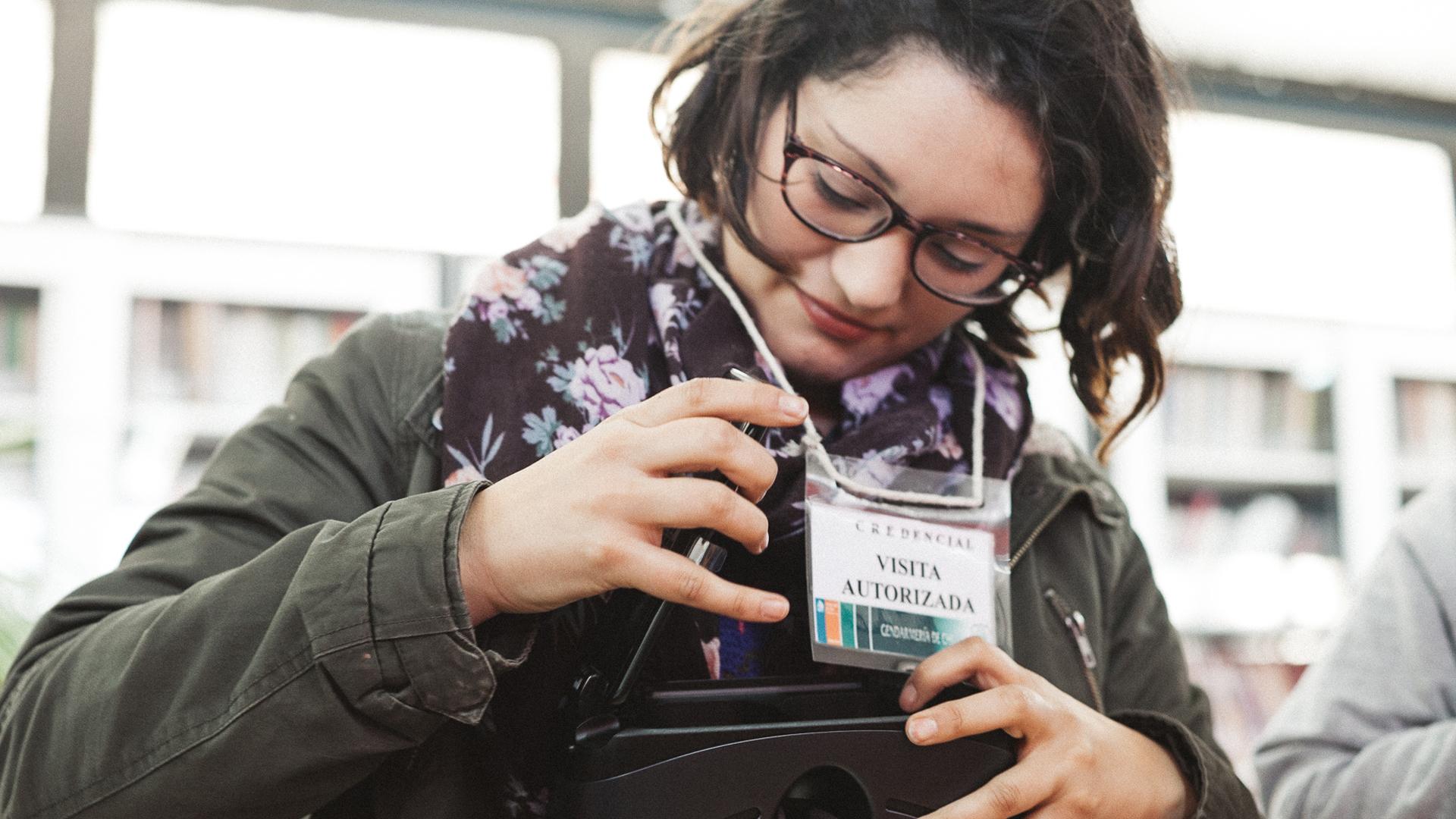 """Catalina Alarcón es directora y guionista y creó """"Volver a casa"""", un proyecto de realidad virtual en donde se desarrolla un diálogo cruzado entre los internos y sus familias, empatizando con la realidad carcelaria."""