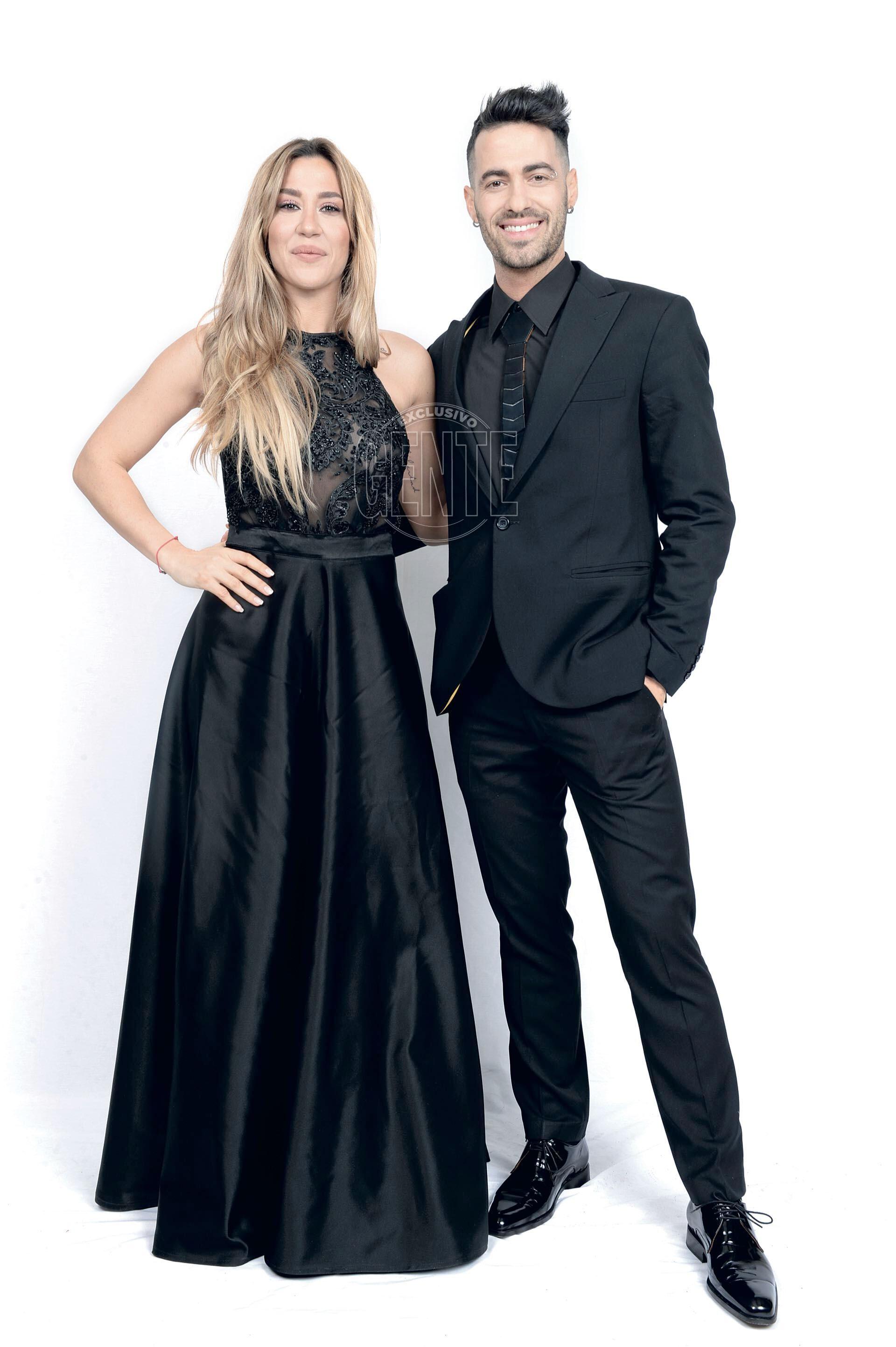 jimena Barón (by Paz Cornú) y Mauro Caiazza (por sastrería Windsor).