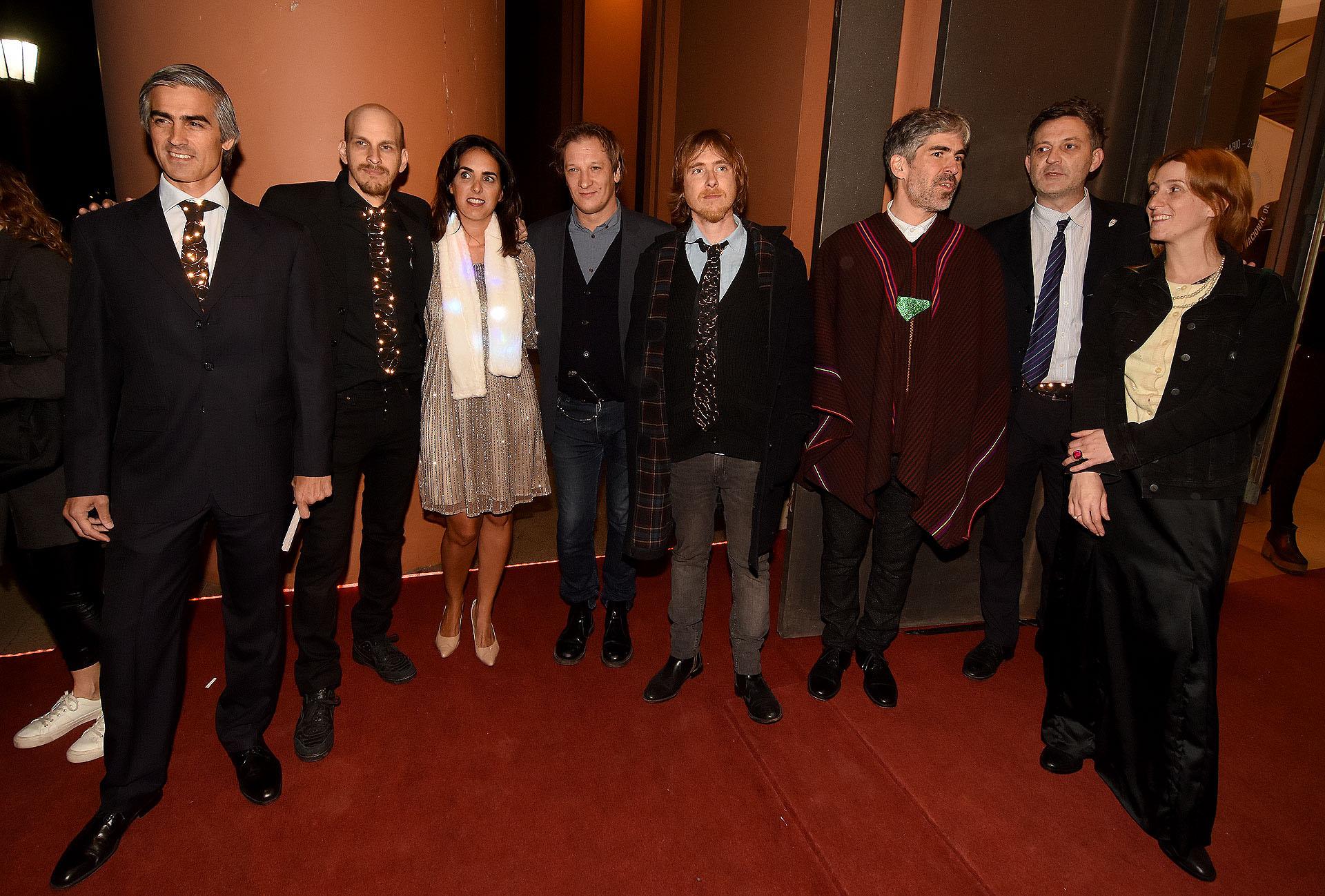 Un grupo de artistas plásticos en la gala del Museo Nacional de Bellas Artes