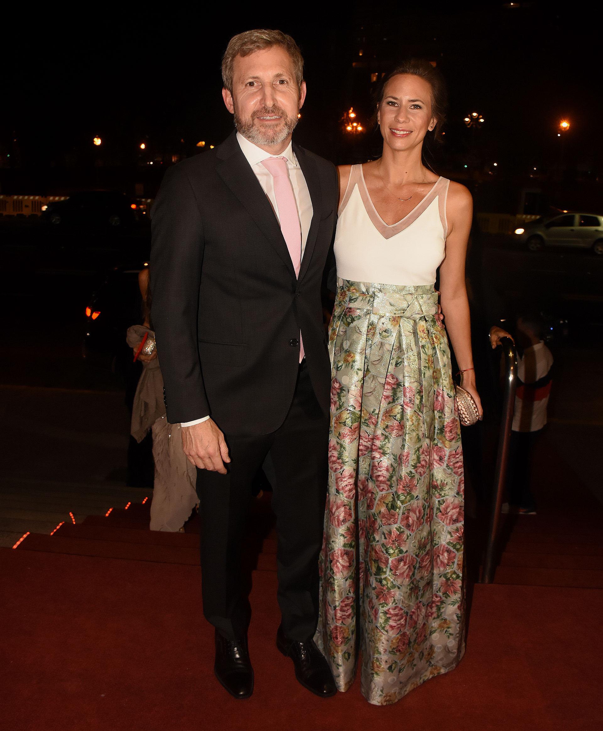 Rogelio Frigerio, ministro de Interior, y su mujer Victoria Costoya