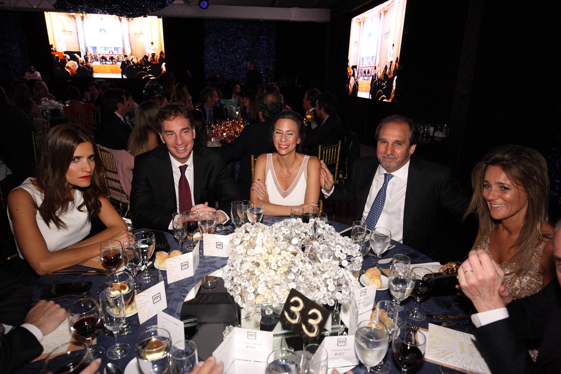 Diego Santilli, Nicolás Caputo y Rogelio Frigerio compartieron una de las mesas principales